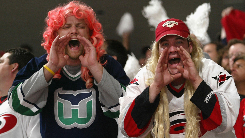 Hurricanes letting fans move to lower bowl, suites against Senators