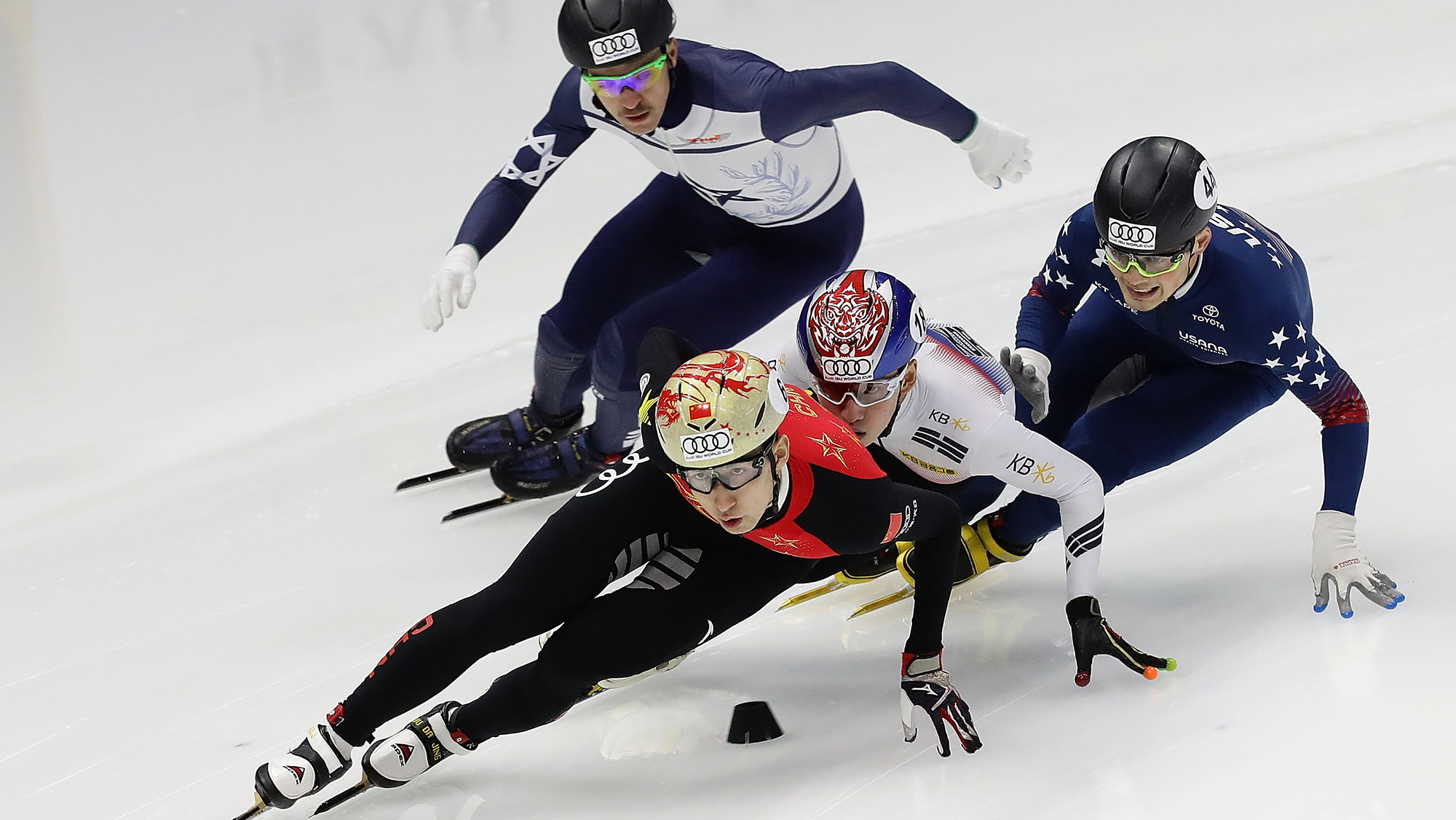 Korea Olympic skaters begin training in South; 1 injured