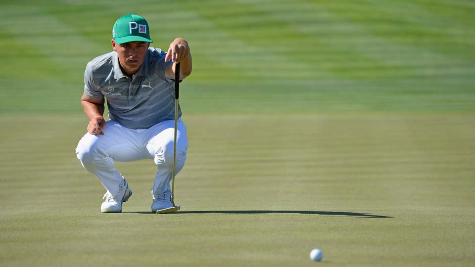Fowler flying at Phoenix Open, shares lead with DeChambeau