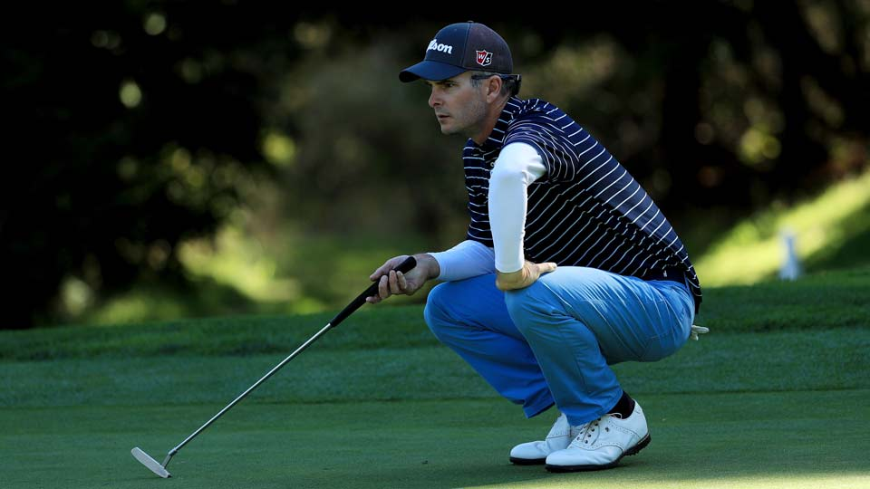 After an opening round of seven-under 65, Kevin Streelman shares the lead with Beau Hossler at Pebble Beach.