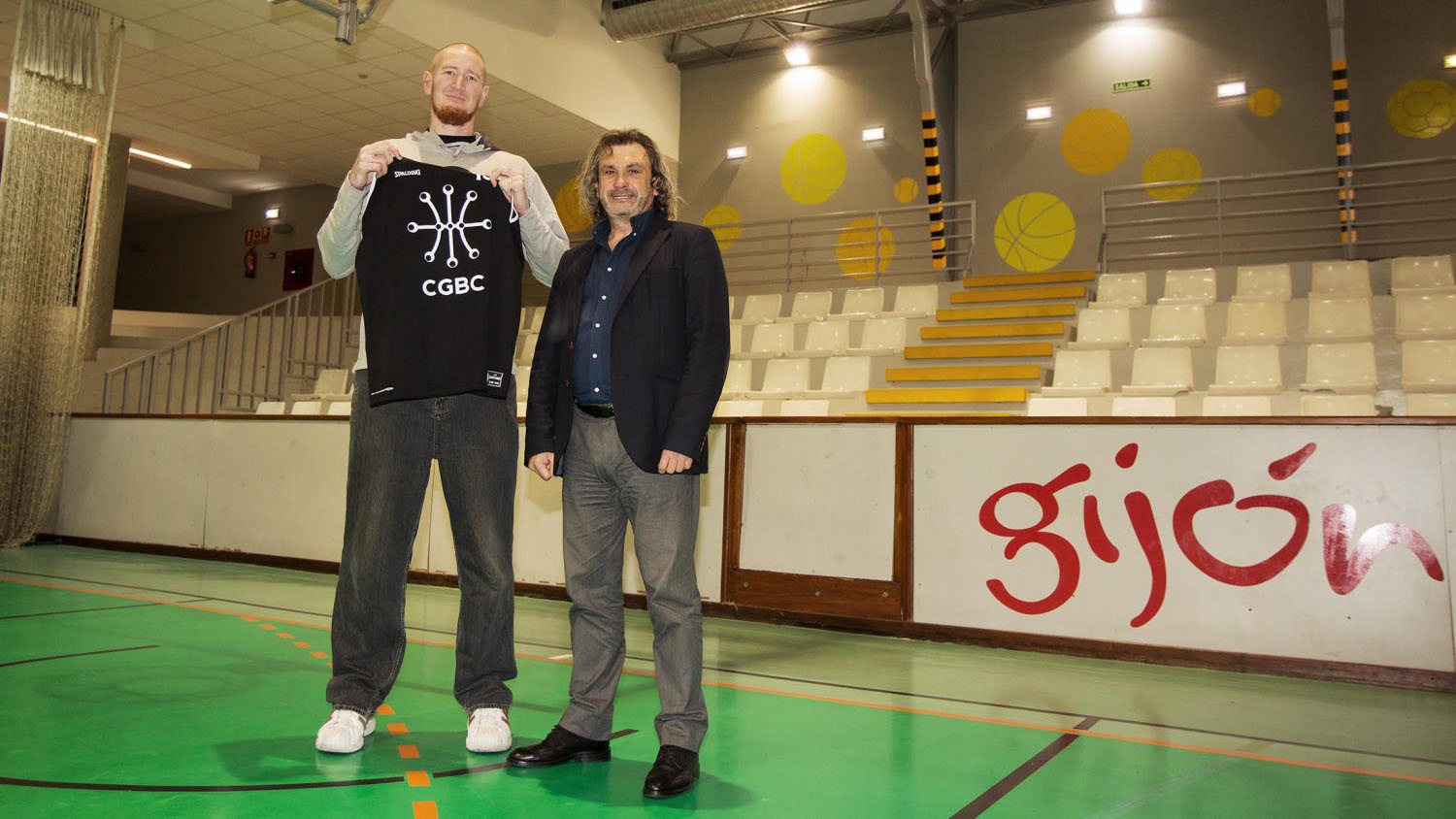 Robert Swift: Ex-addict NBA player signs in Spain