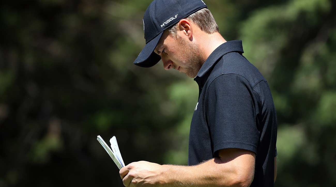 Conners leads, Woods lurks at Valspar