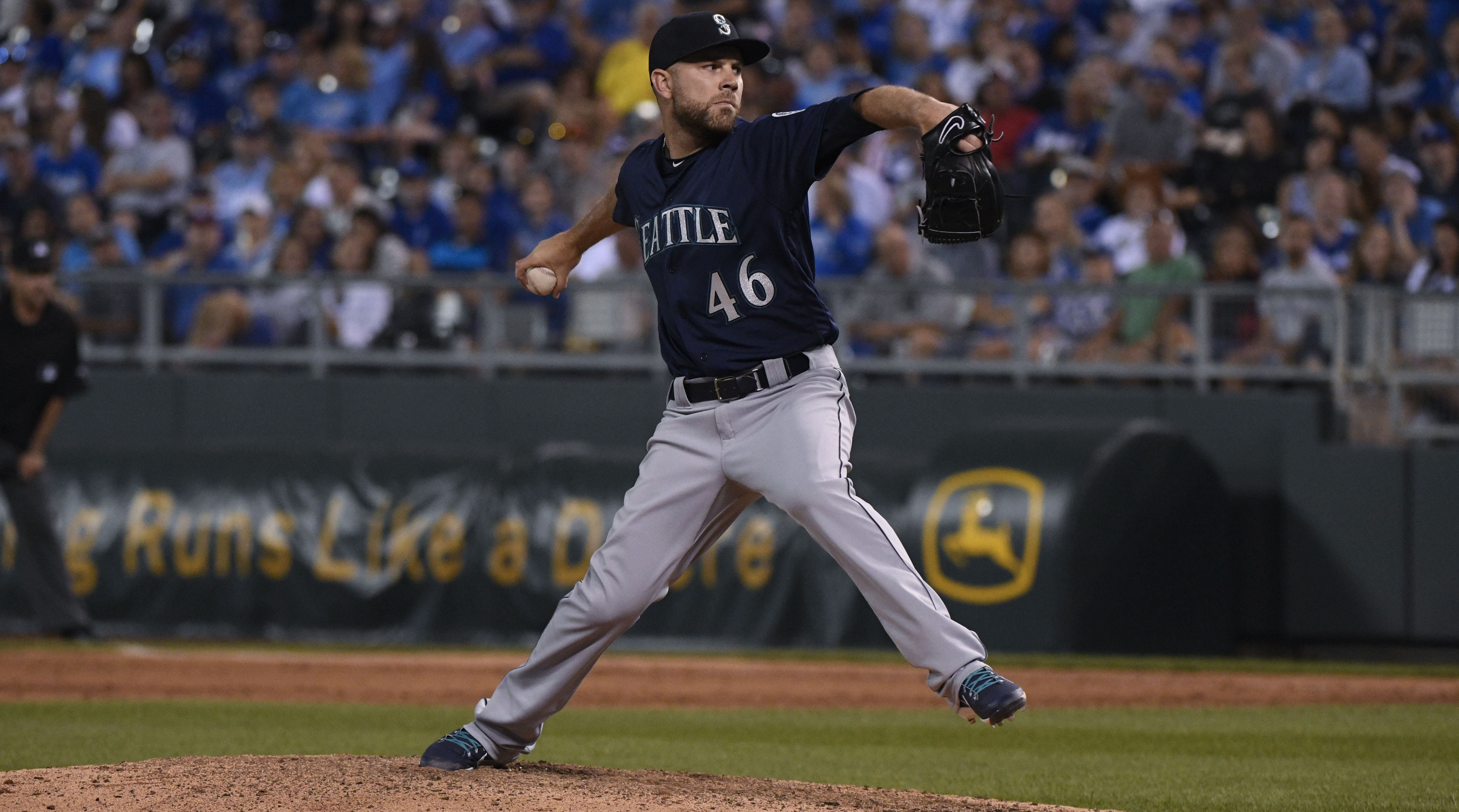 Mariners Reliever David Phelps Will Have Tommy John Surgery for Torn UCL