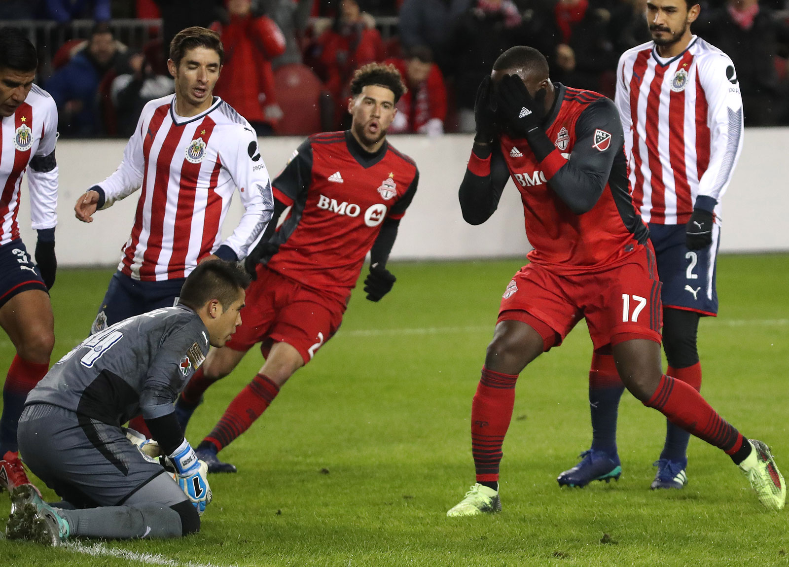 Jozy Altidore reacts to a missed chance in the Concacaf Champions League final