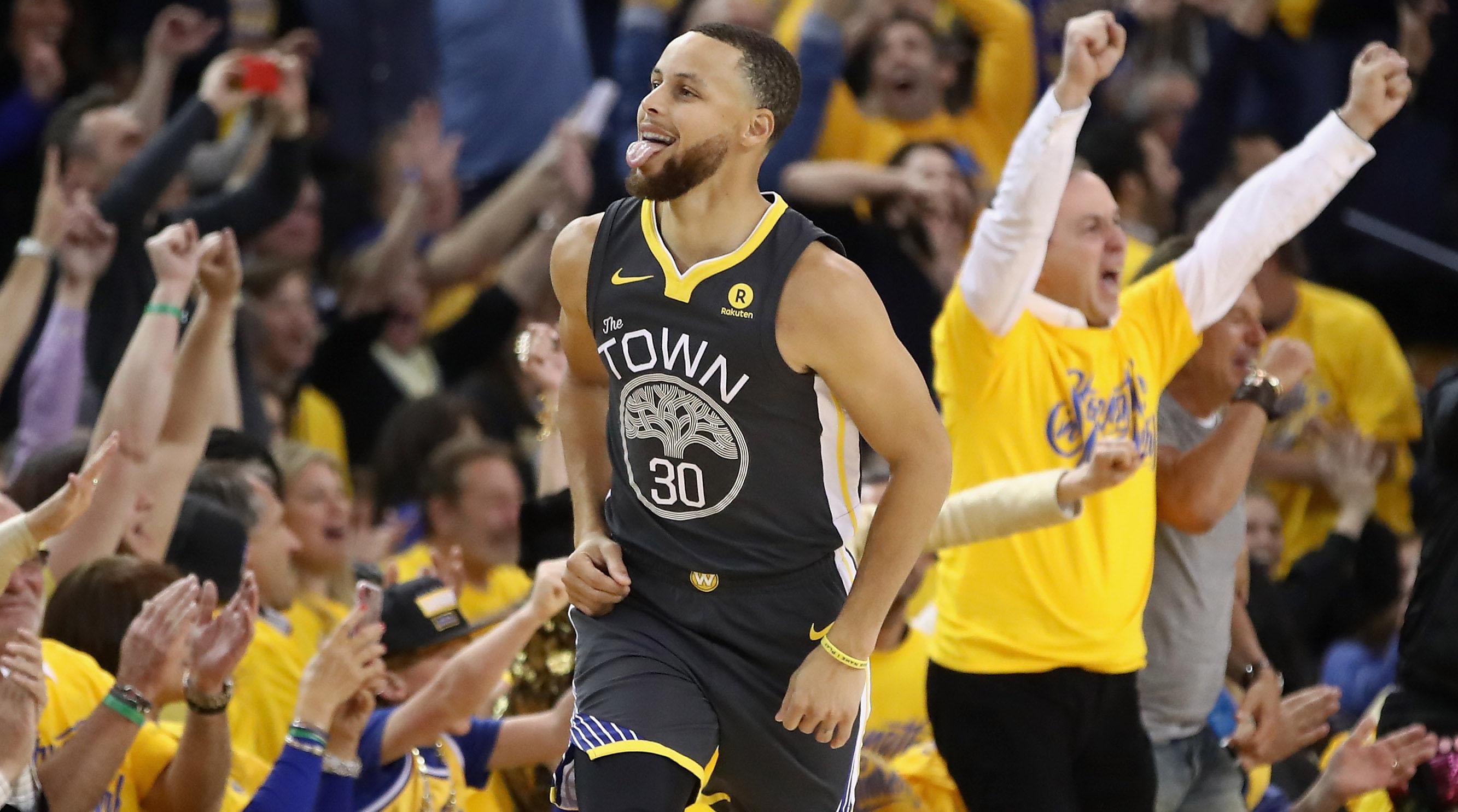 Curry Kembali Bantu Warriors Singkirkan Pelicans