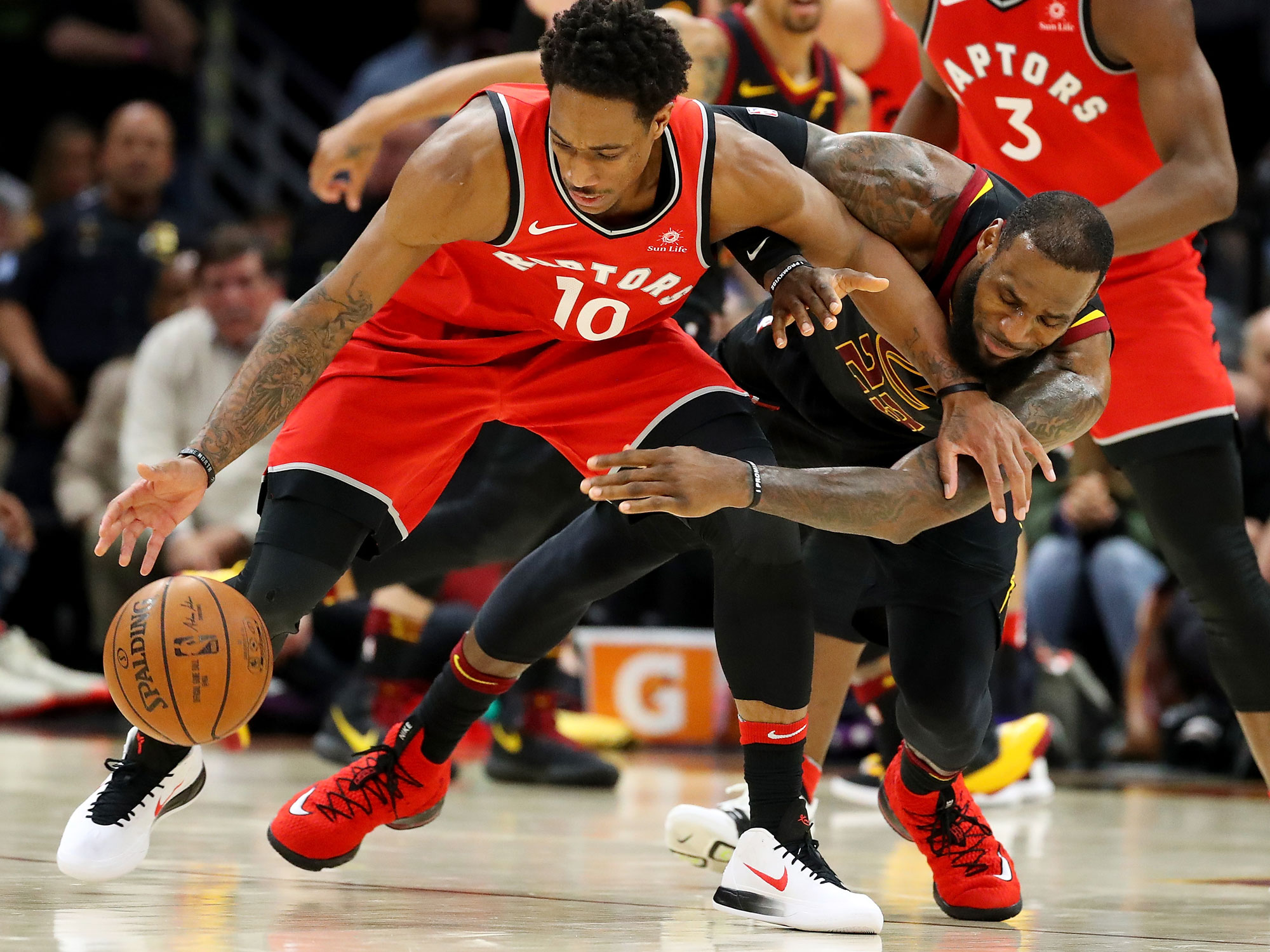 Cavs cruise, complete sweep of top-seeded Raptors