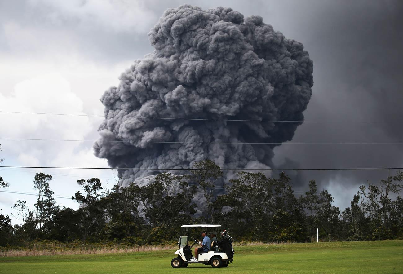 Golfers Brave Erupting Volcano In Hawaii To Sneak In A