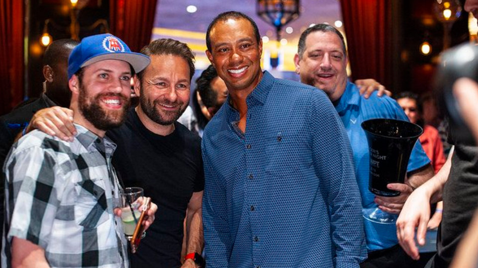 <p>Tiger poses with Barstool Sports blogger @BarstoolNate.</p>