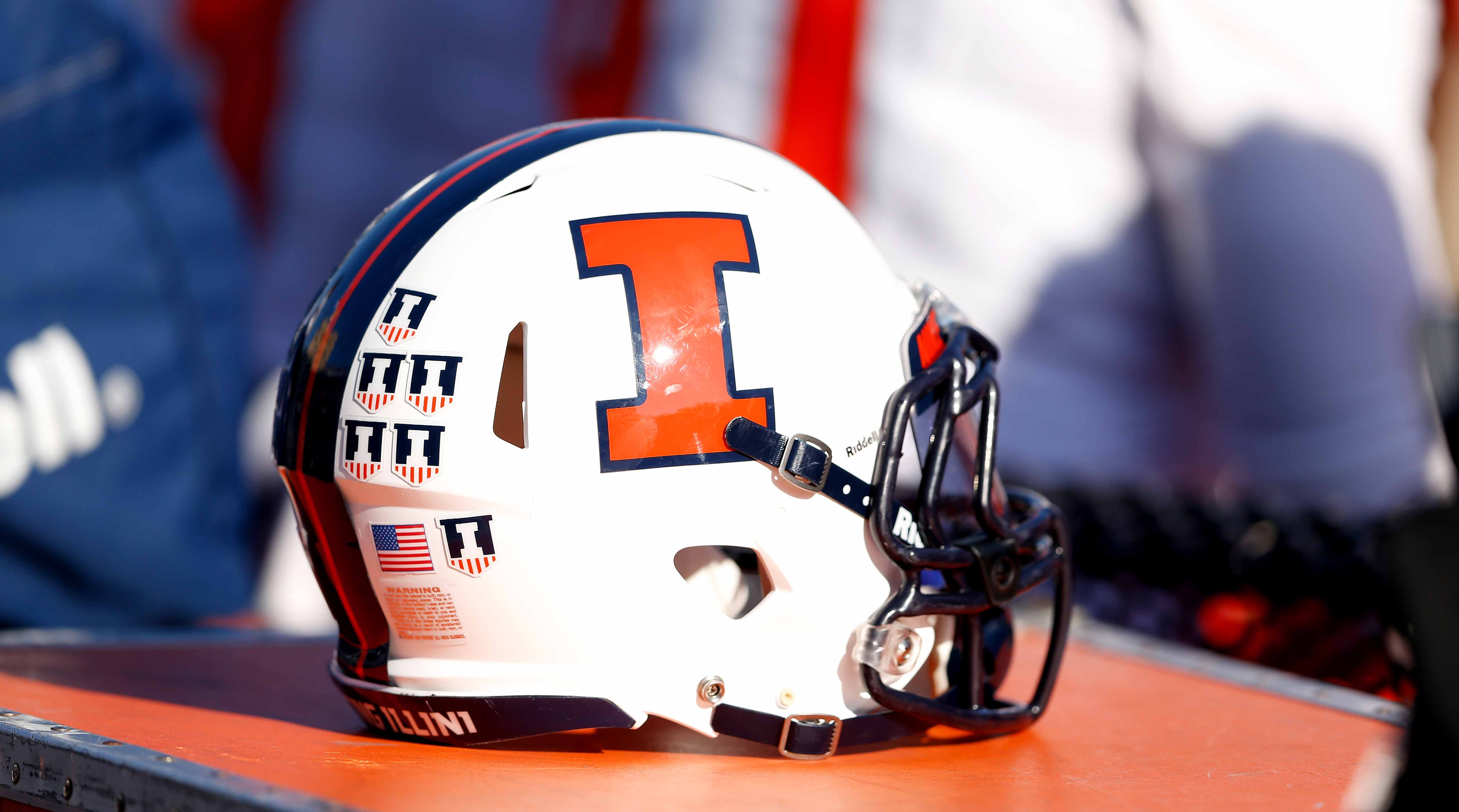 Illinois-football-players-charged-theft