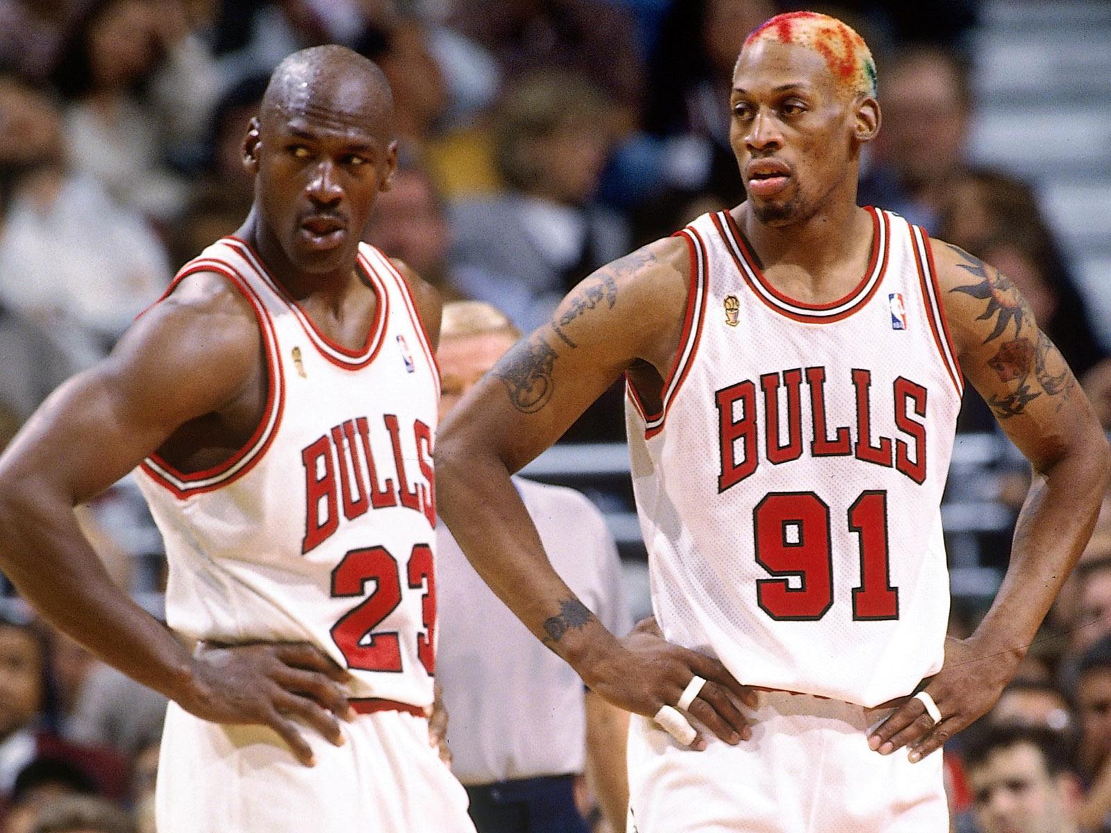喬神和皮本的球衣都被公牛退役!為何小蟲Rodman沒有?原因令人惋惜!