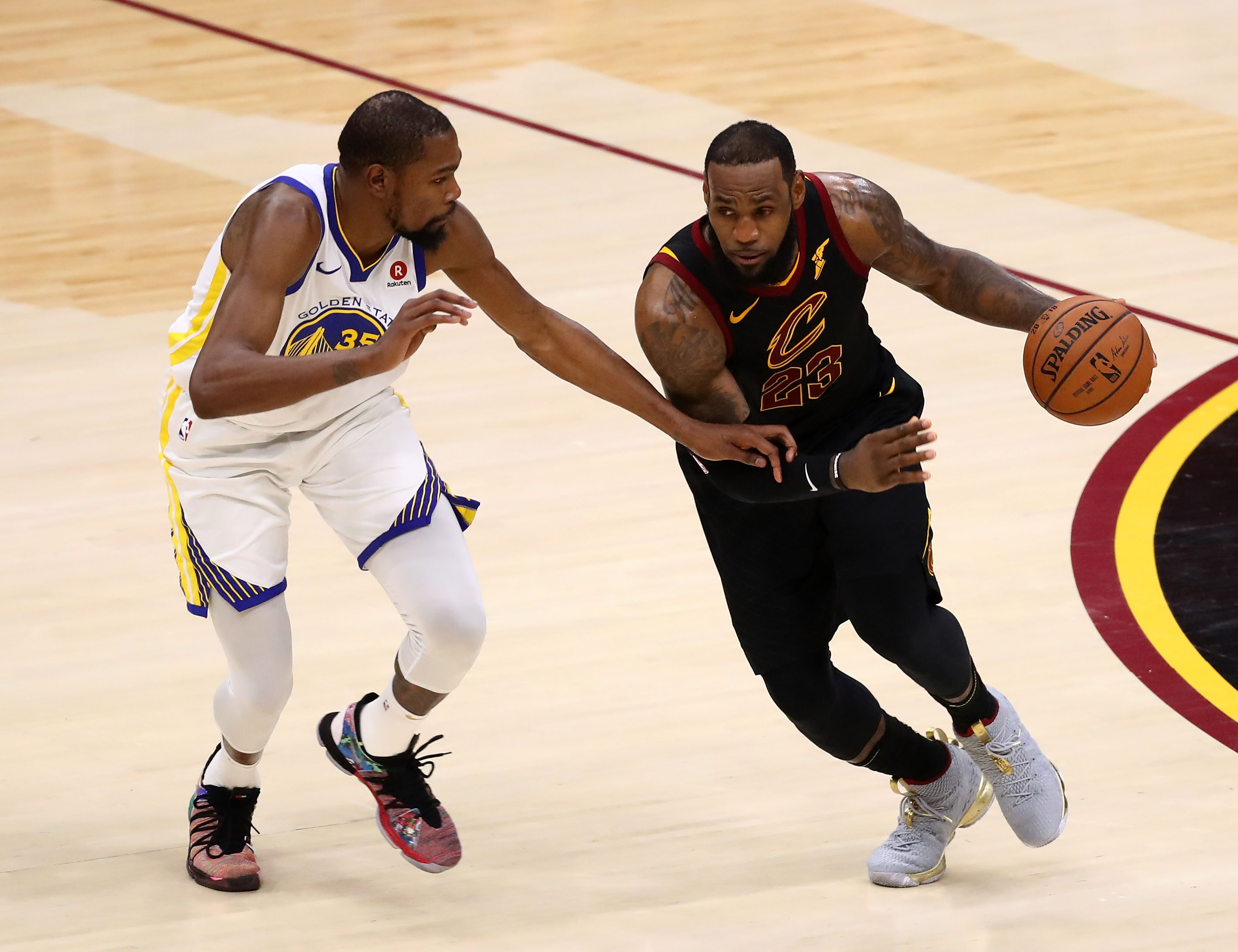 LeBron James punched white board, played NBA Finals with injured hand