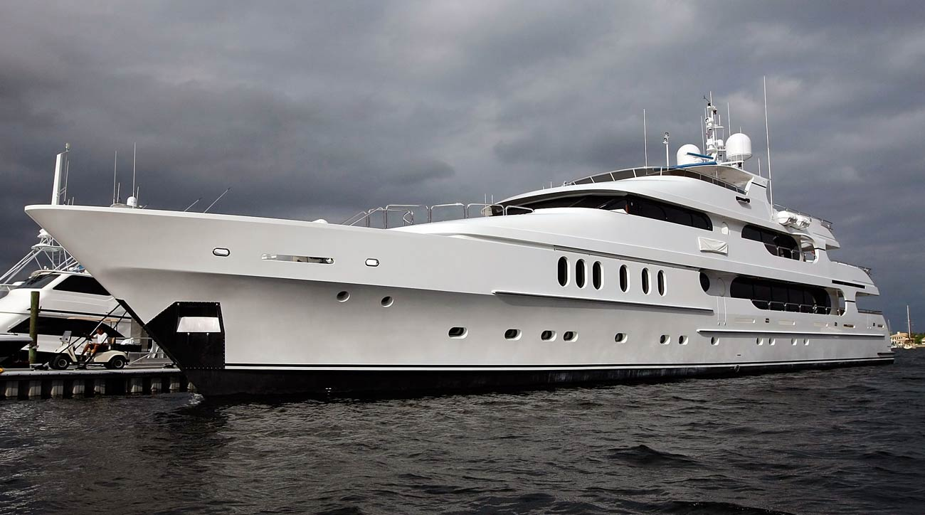 Tiger Woods yacht Privacy at US Open