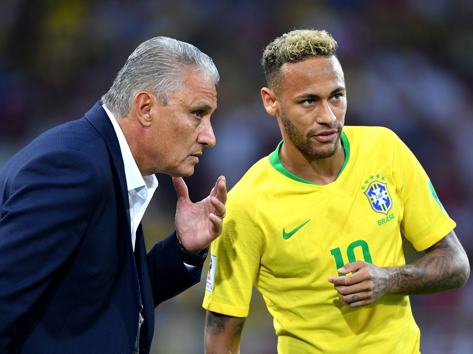 Neymar and Tite speak during Brazil's 2-0 win over Serbia at the World Cup