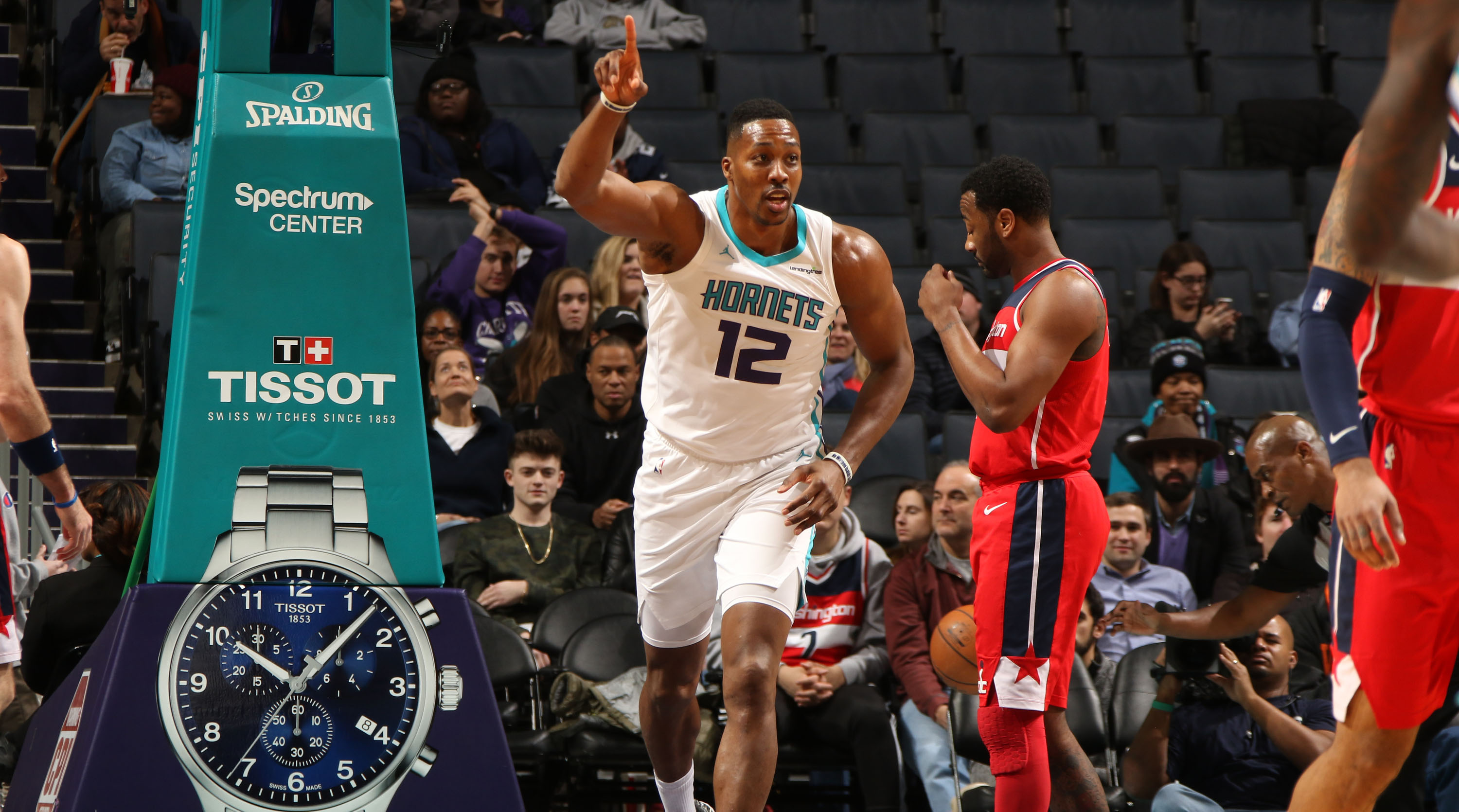 56a21d8f5 Dwight Howard to Wizards