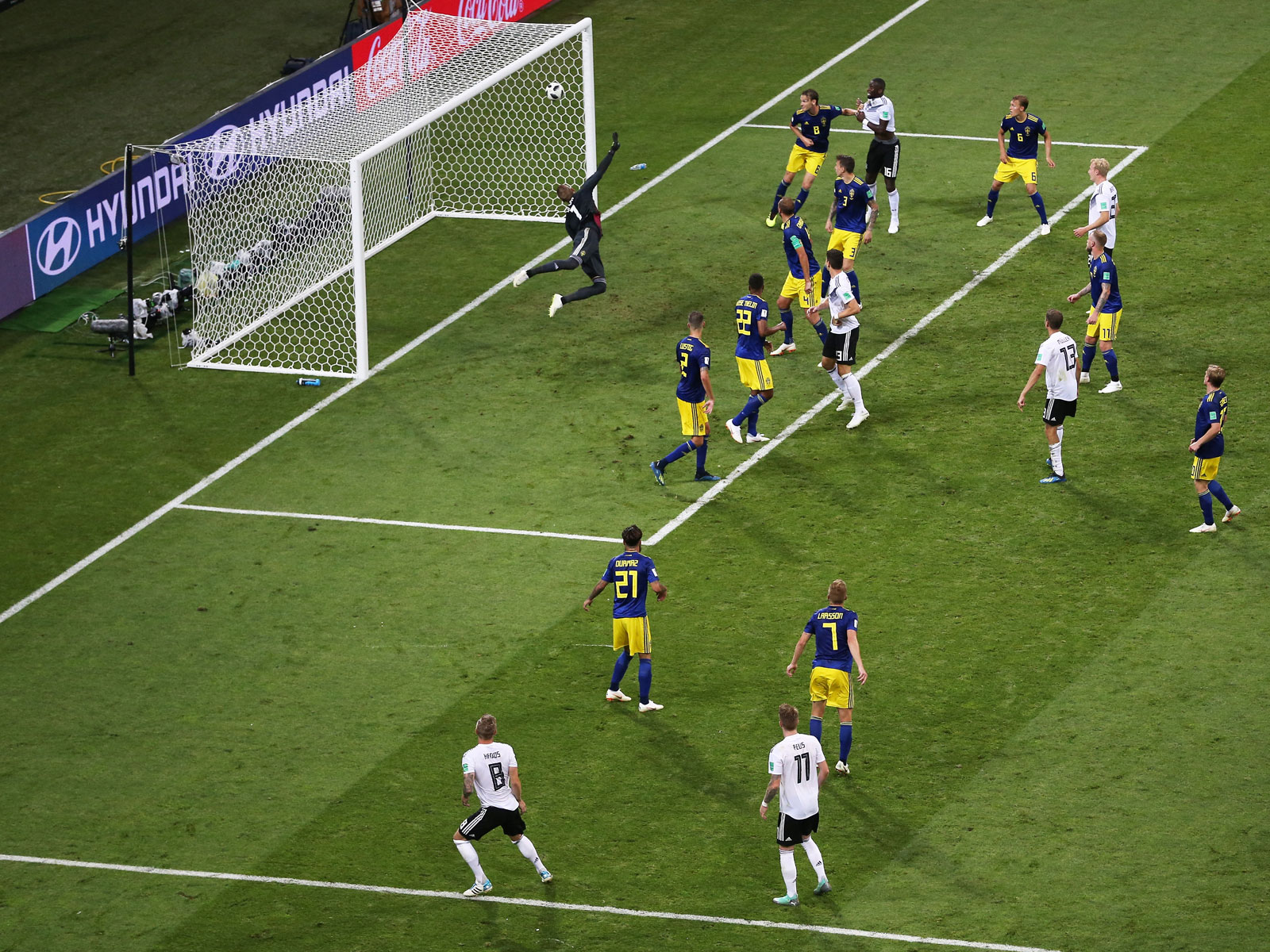 Toni Kroos scores for Germany vs. Sweden in the World Cup