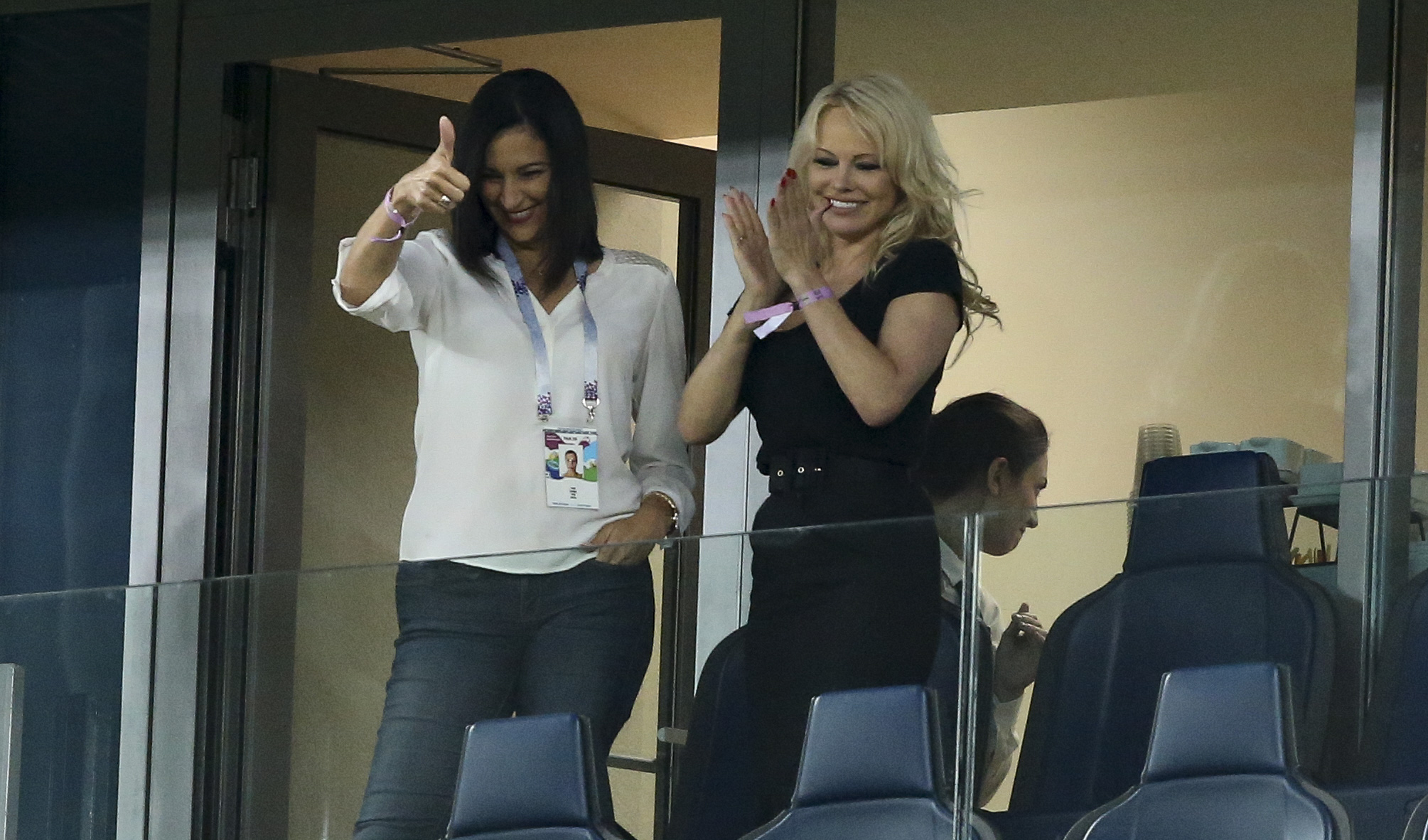 pamela-anderson-france-world-cup