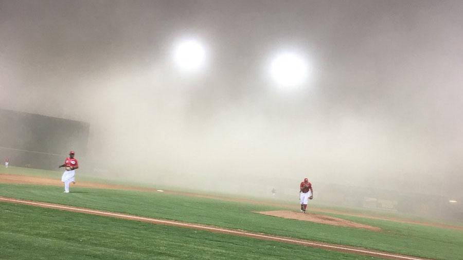 Dust storm in Arizona hits baseball game (video)