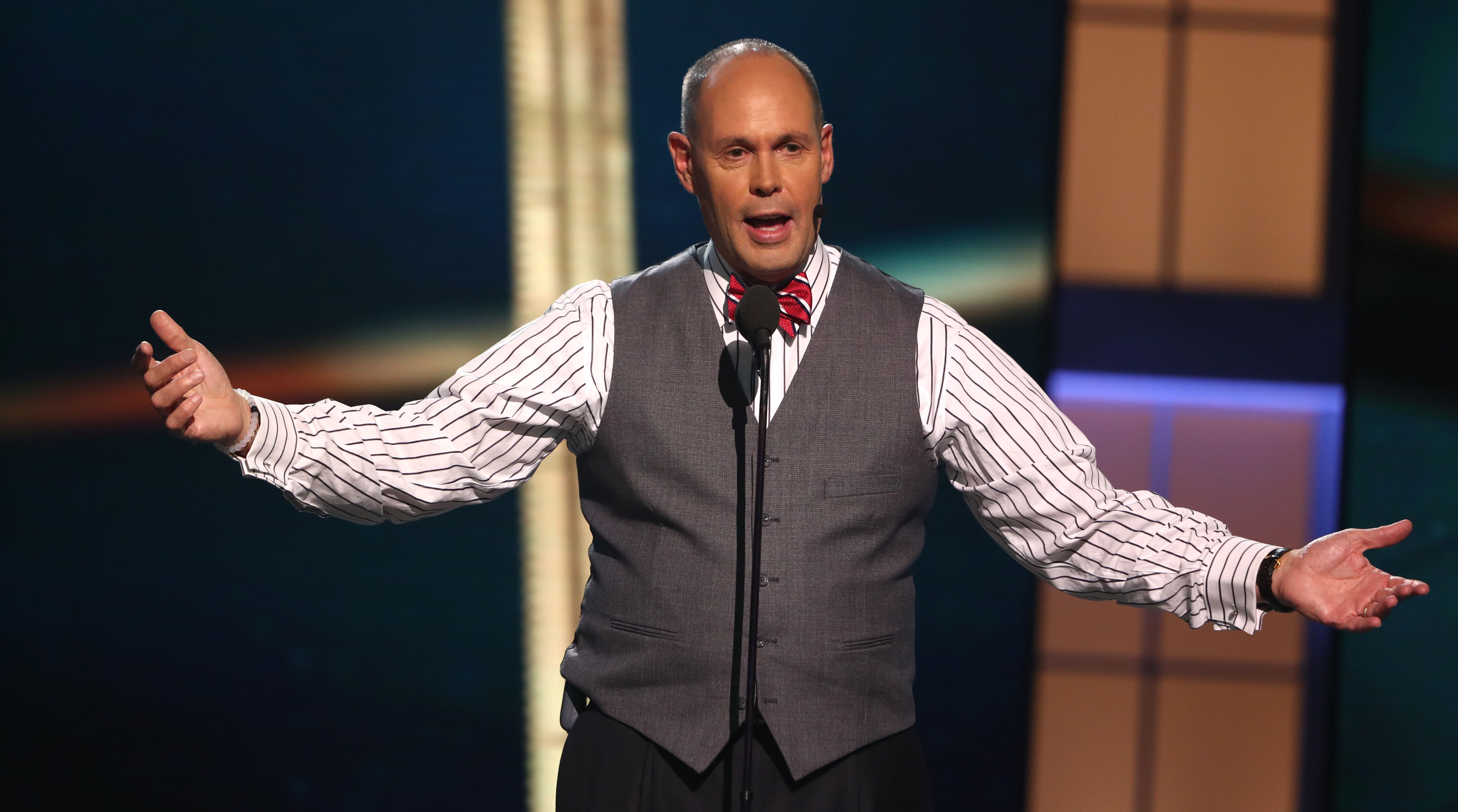 Ernie Johnson not calling MLB postseason games
