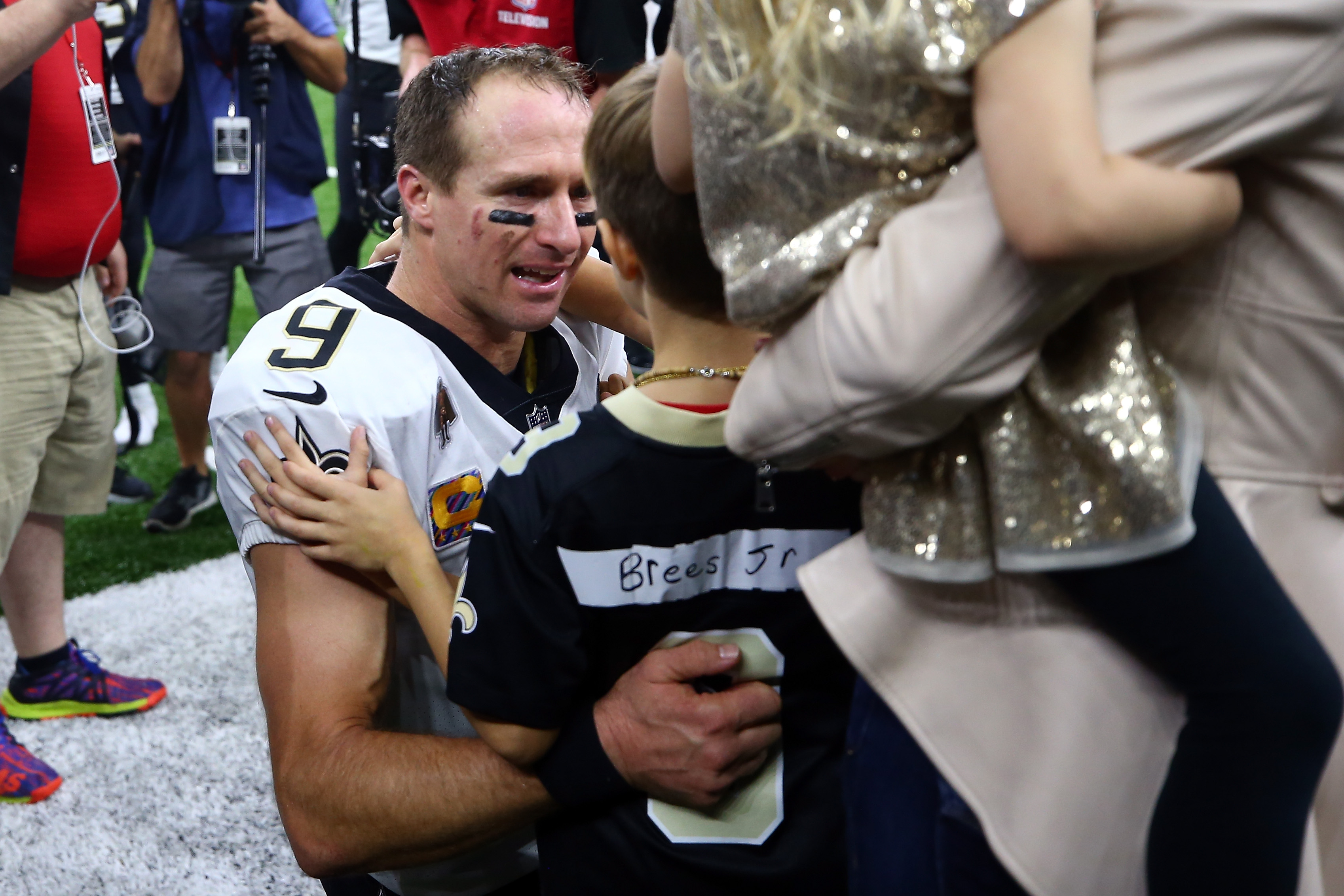 Drew Brees mic'd up after breaking passing record (video)
