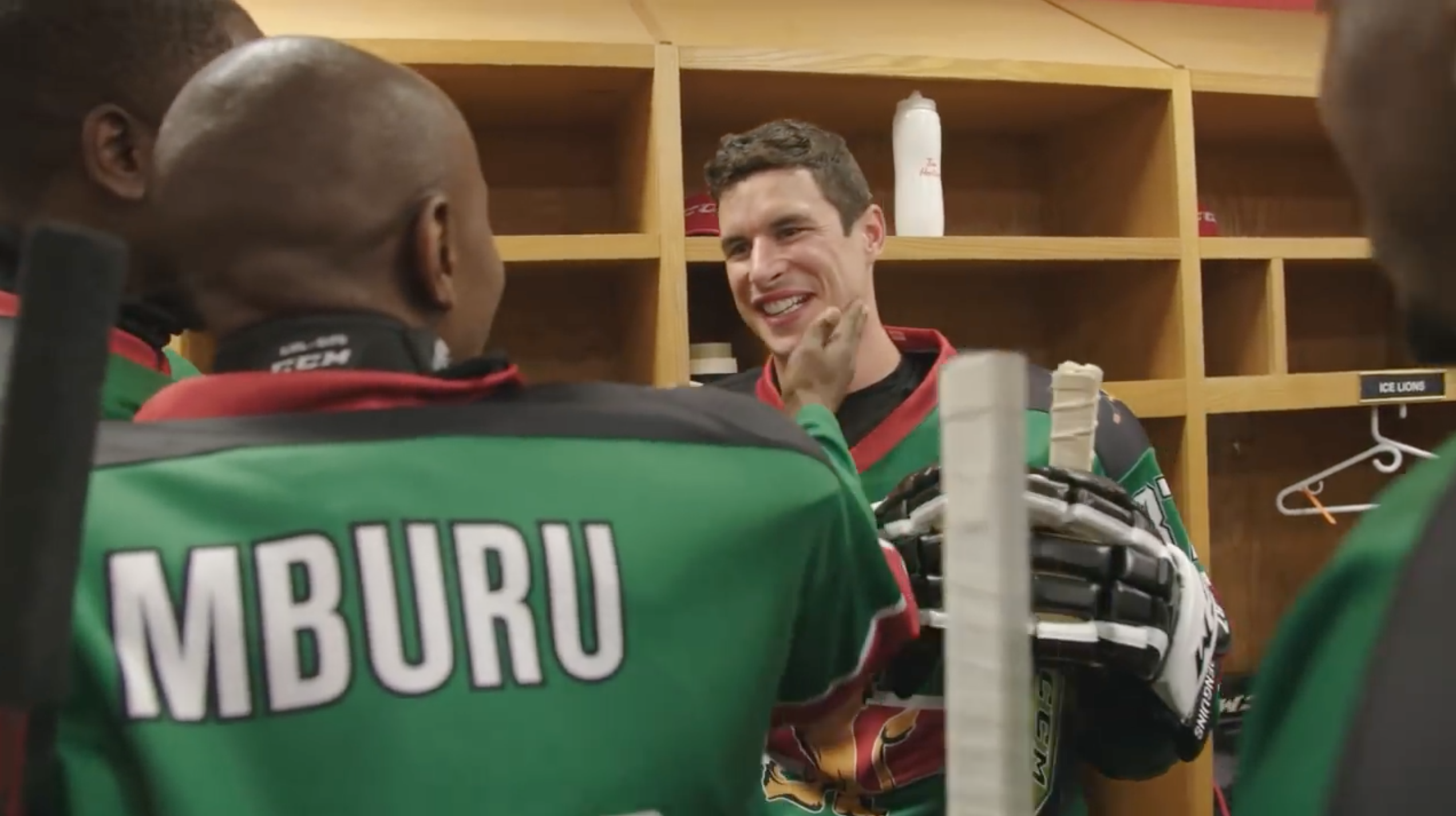 Video: Sidney Crosby, Nathan MacKinnon surprise Kenyan hockey team
