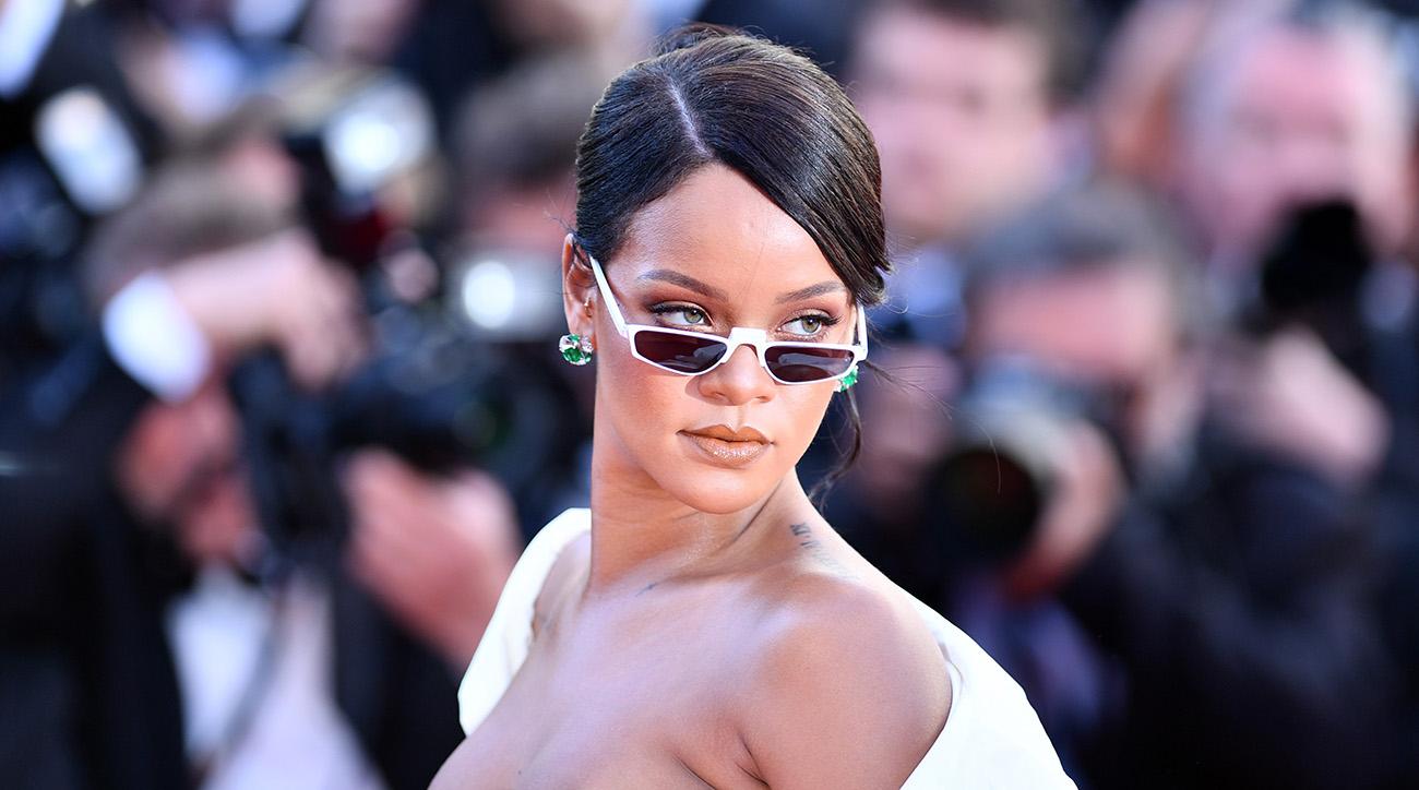 Rihanna, pink, super bowl halftime show, maroon 5
