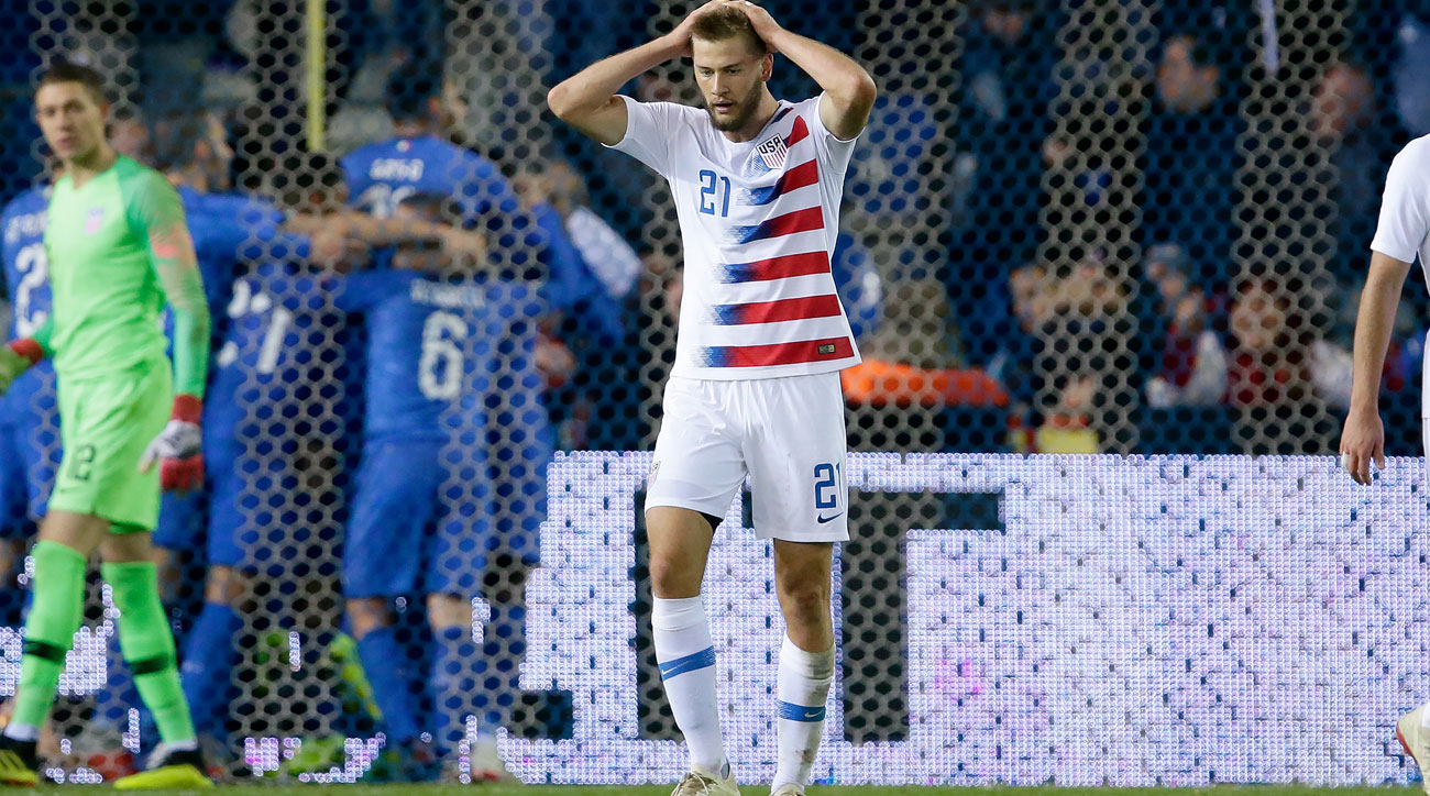 Walker Zimmerman reacts to Italy's last-minute goal vs. the USA