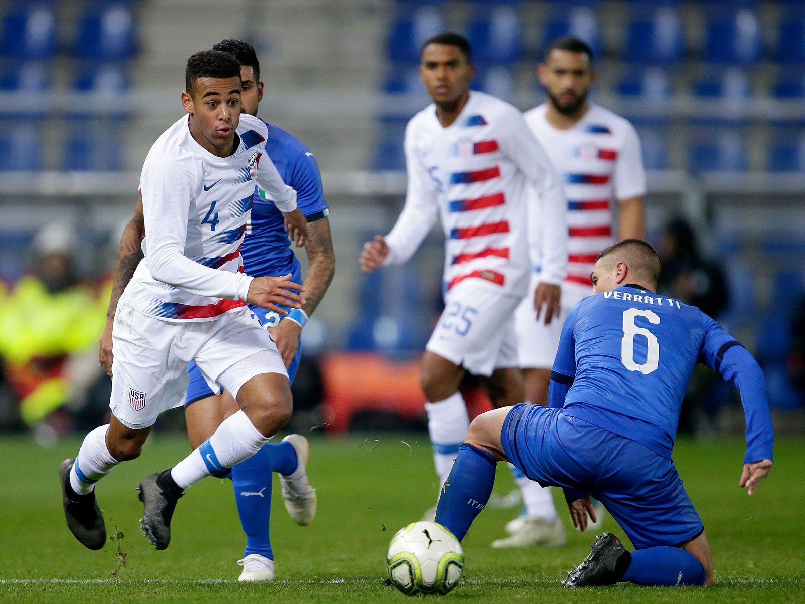 USA's Tyler Adams takes on Italy's Marco Verratti in a friendly
