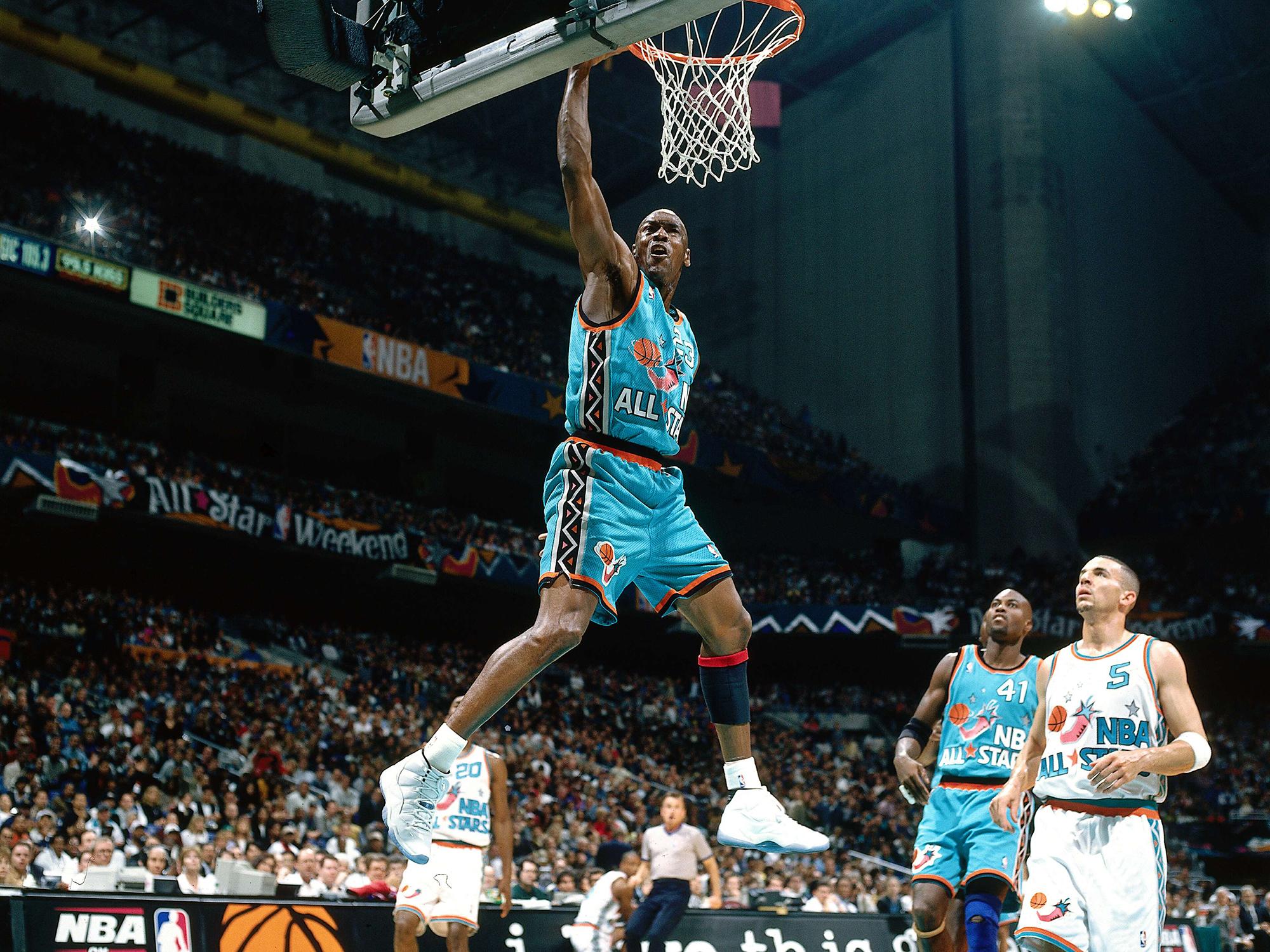 low priced 1eeaa f045a Michael Jordan dunks