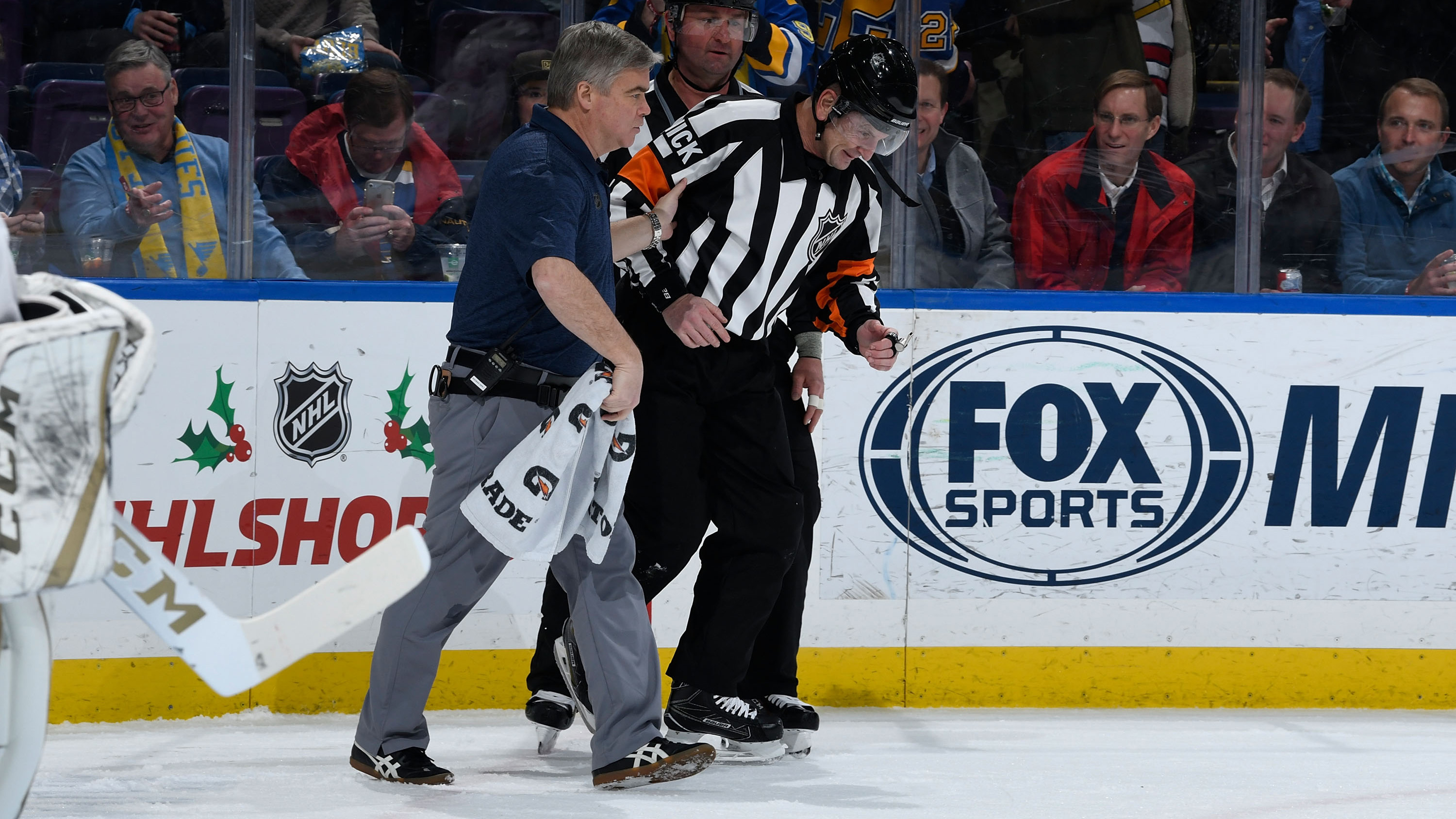 Tim Peel  Robert Bortuzzo goal hits ref in crotch (video)  368c4d28c6f1
