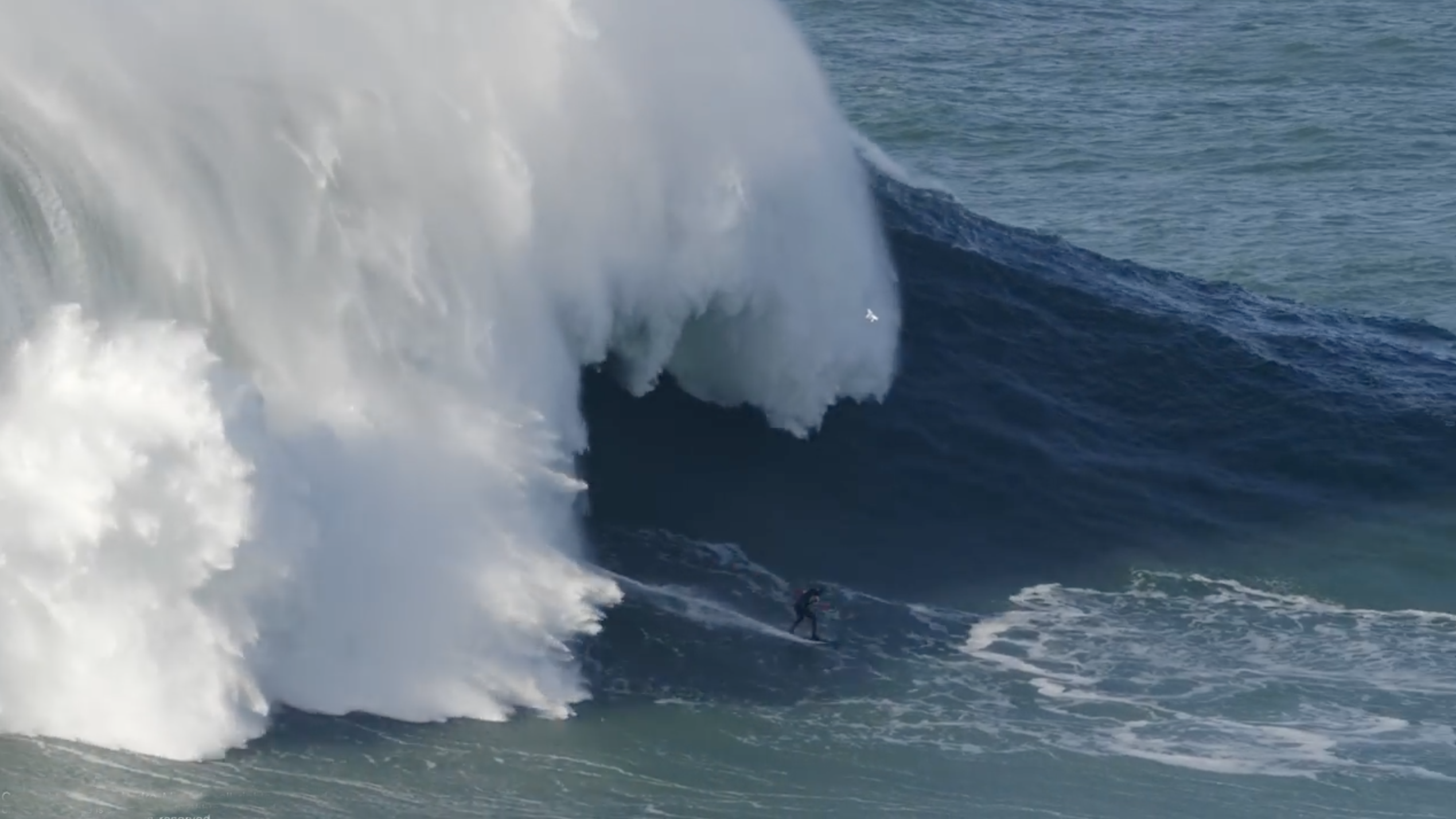 Largest wave ever surfed: Tom Butler sets record at Nazare (video)