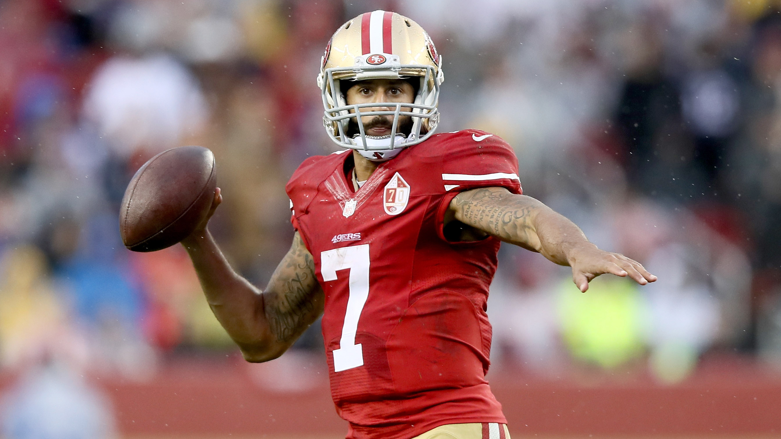 95% of surveyed players think Colin Kaepernick should be in NFL  e95a04bbb