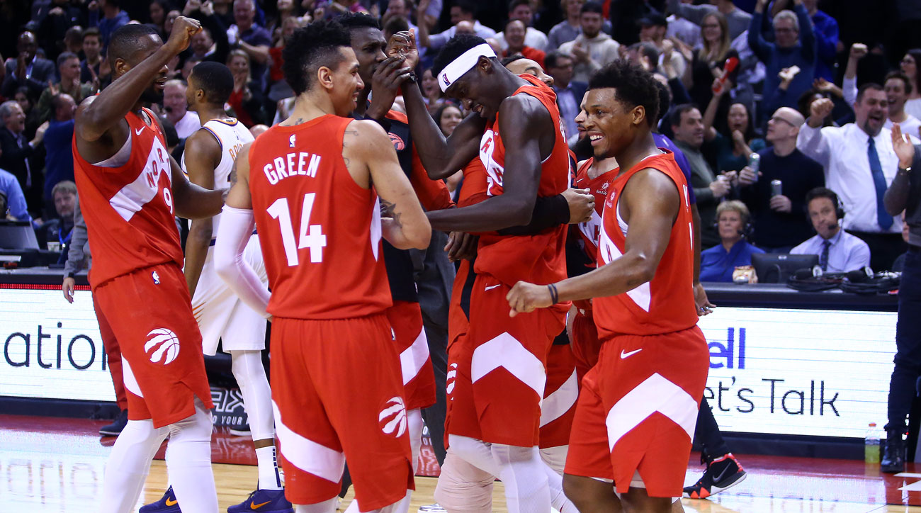 Watch: Raptors' Pascal Siakam Sinks Effortless Buzzer Beater to Defeat Suns   Sports Illustrated