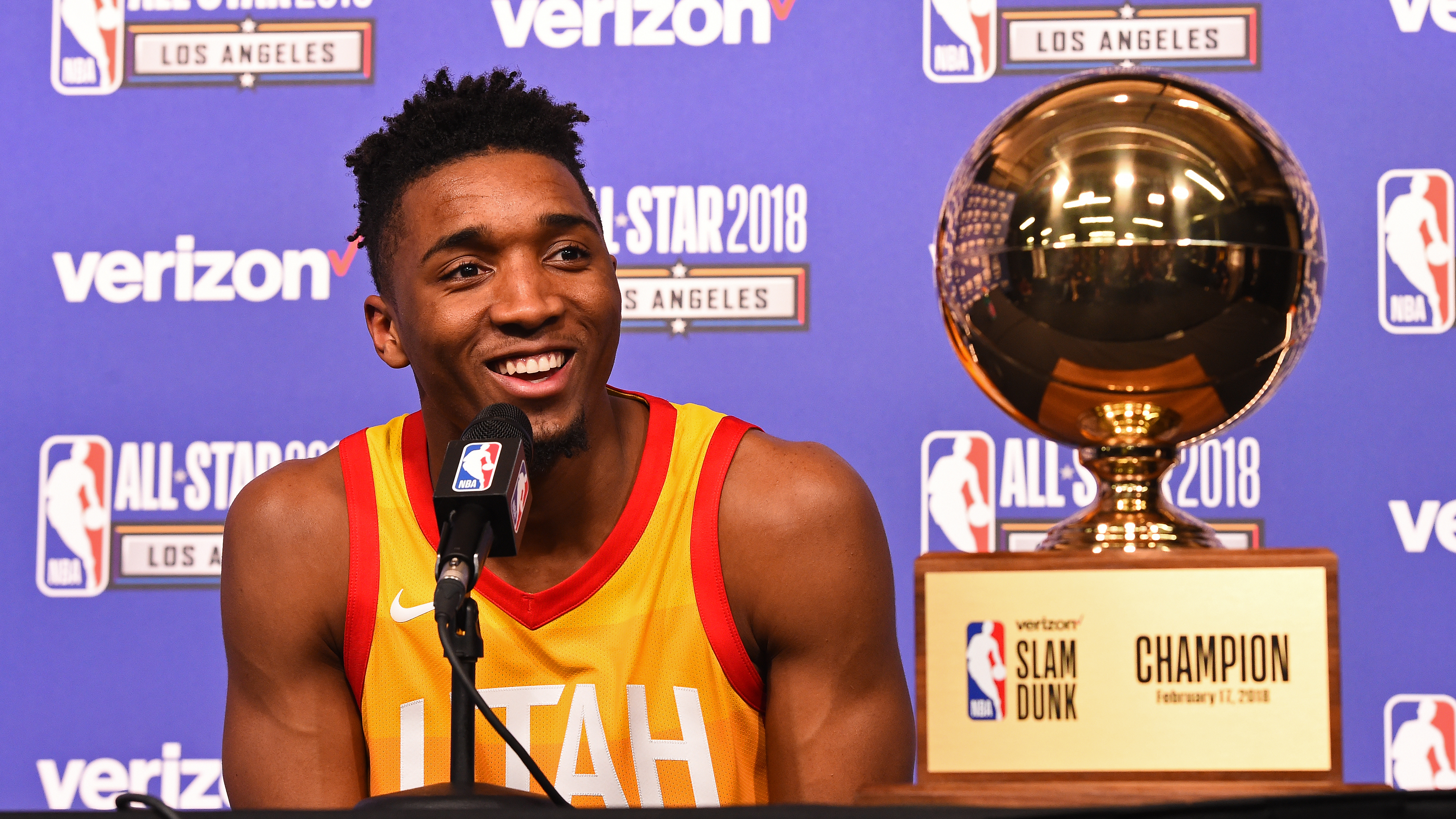 competitive price b88c6 3ccd3 Donovan Mitchell won't defend NBA dunk contest title | SI.com