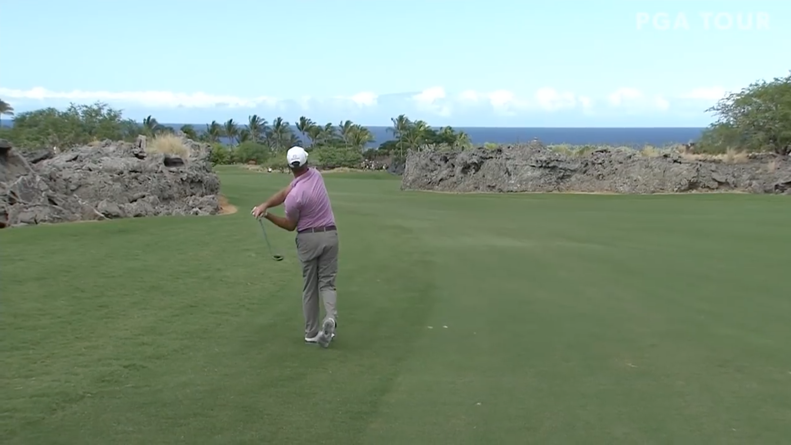 Jerry Kelly eagle: PGA Champions Tour golfer hits into lava (video)
