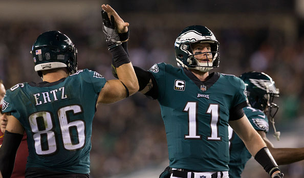 Eagles players defend carson wentz