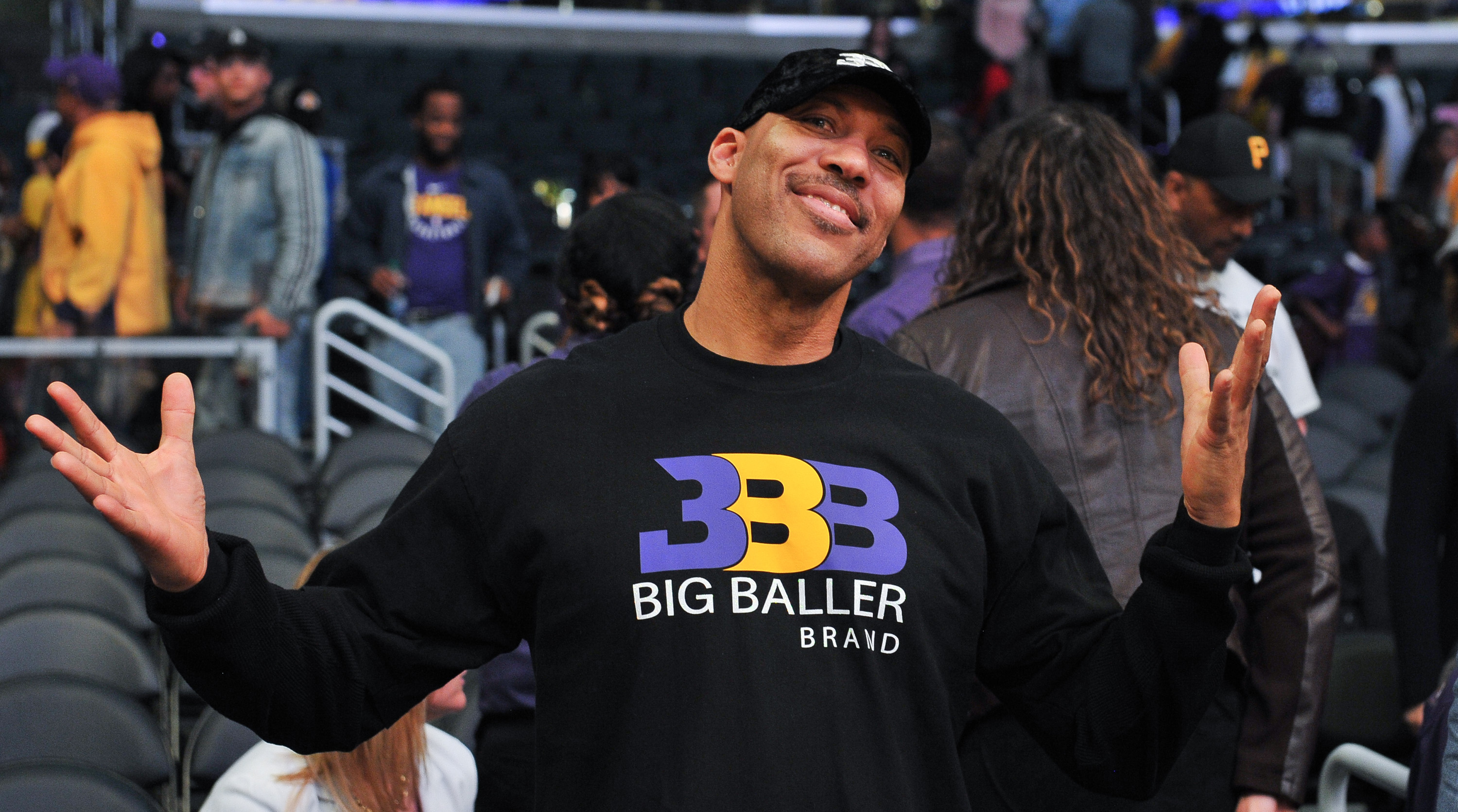 f834933d65d LaVar Ball  Lakers won t win a championship if they trade Lonzo