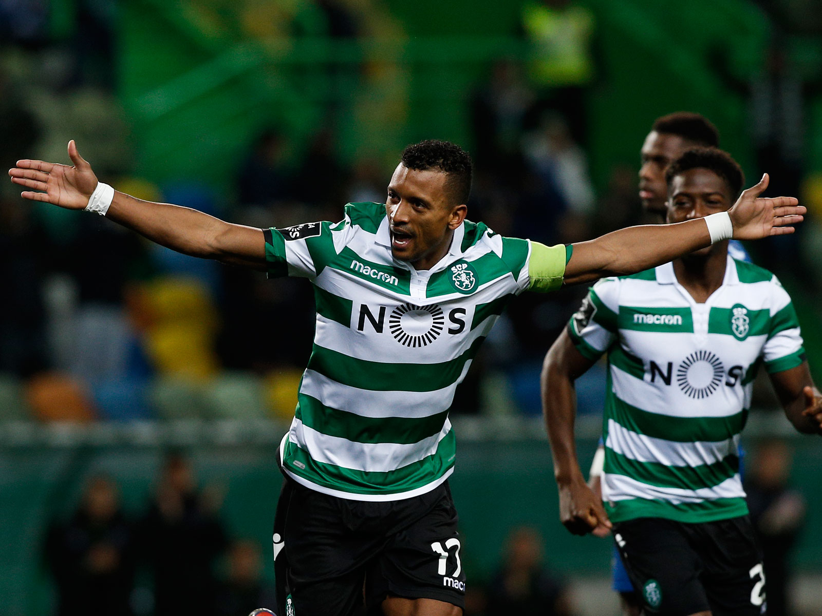 Nani signs with Orlando City