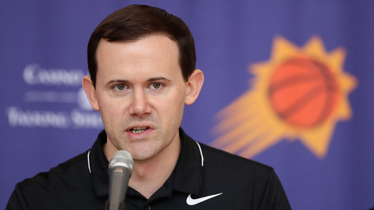 Phoenix Suns: Goats crapped in Ryan McDonough's office