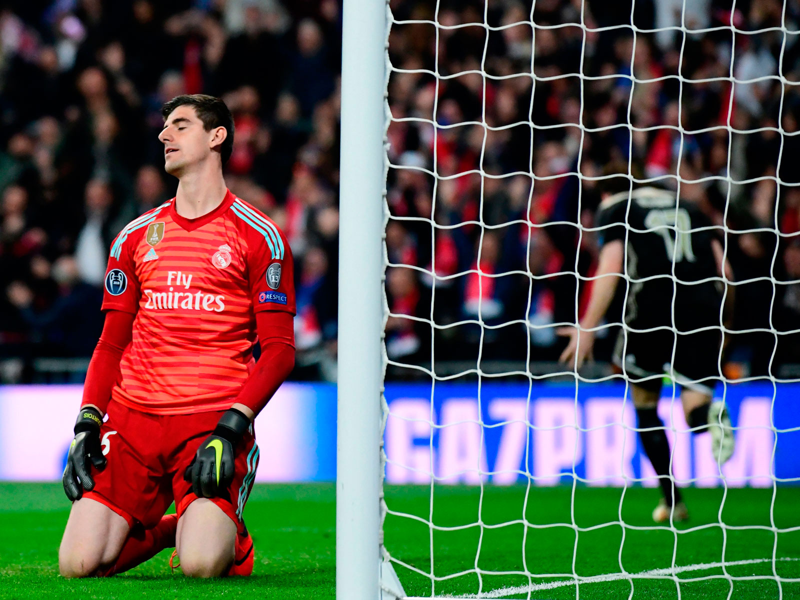 Thibaut Courtois concedes a goal for Real Madrid vs. Ajax