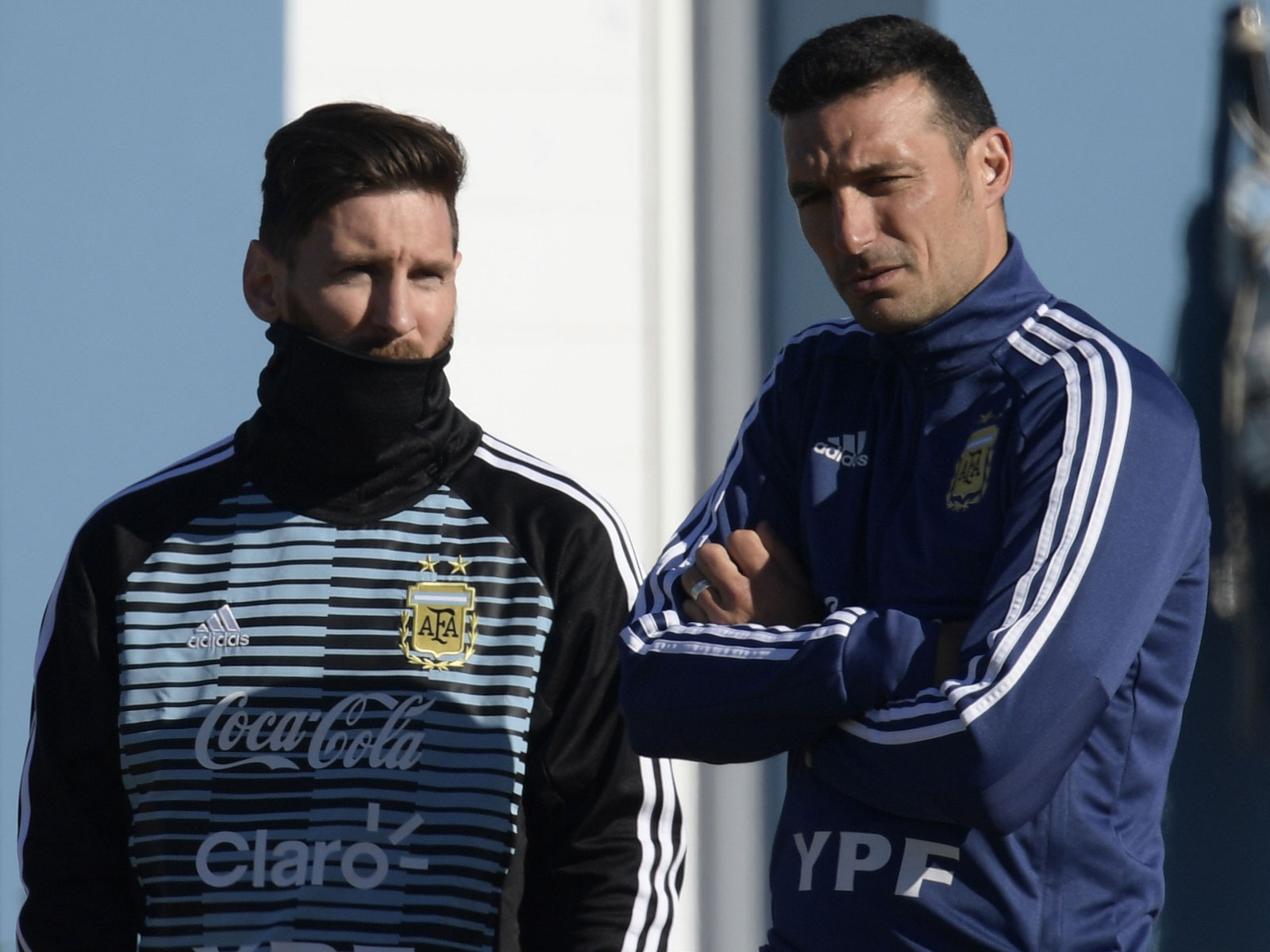 Lionel Messi and Lionel Scaloni in Argentina training
