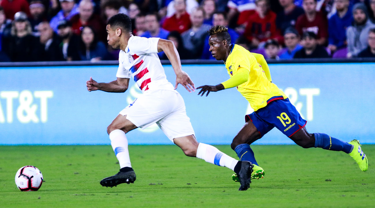 Tyler Adams plays right back for the USA vs. Ecuador