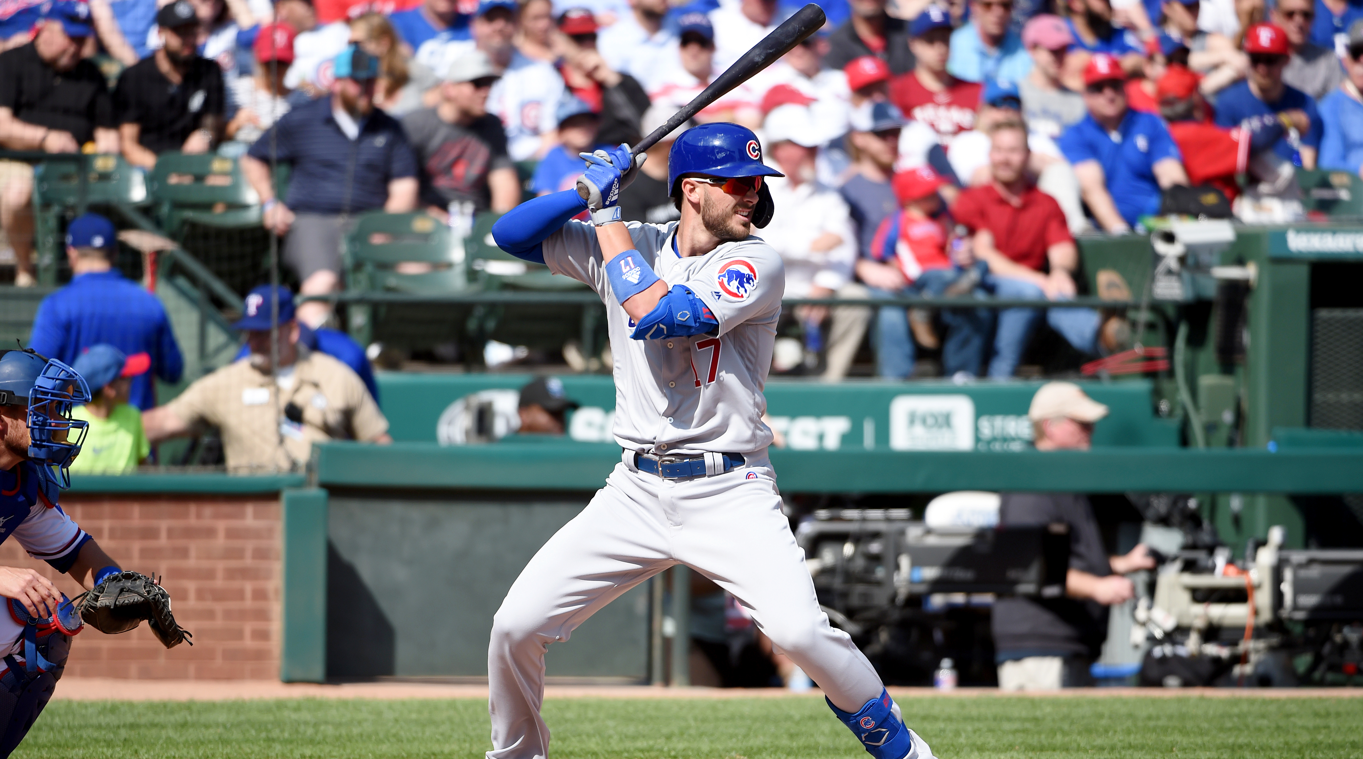 Chicago Cubs v. Texas Rangers