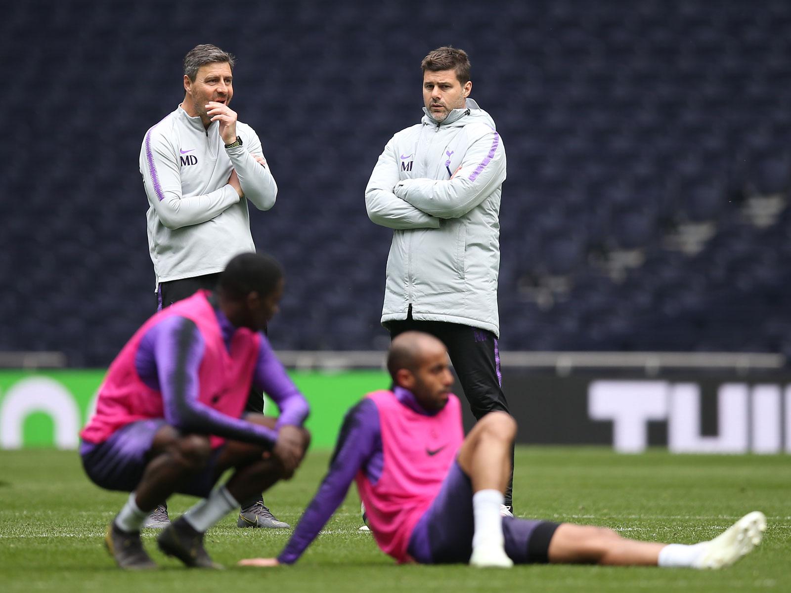 Mauricio Pochettino oversees training at Tottenham's new stadium
