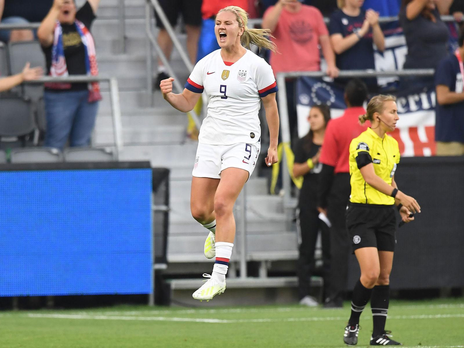 Lindsey Horan is a key part of the USWNT midfield