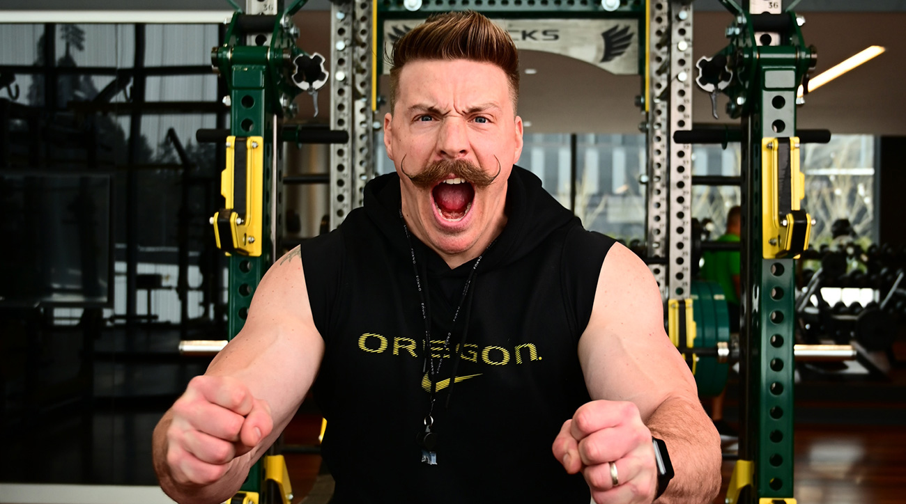 College football strength coaches: Oregon's Aaron Feld part of a new era