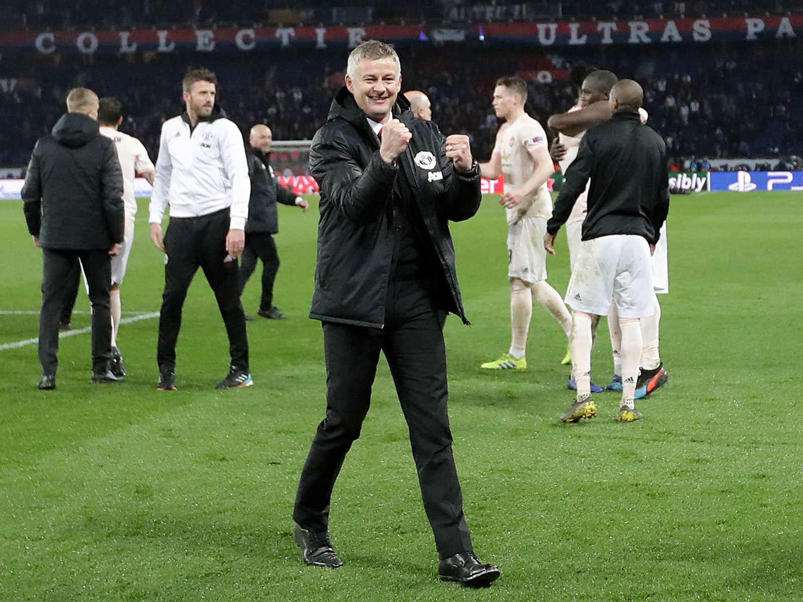 Ole Gunnar Solskjaer celebrates Man United's win over PSG
