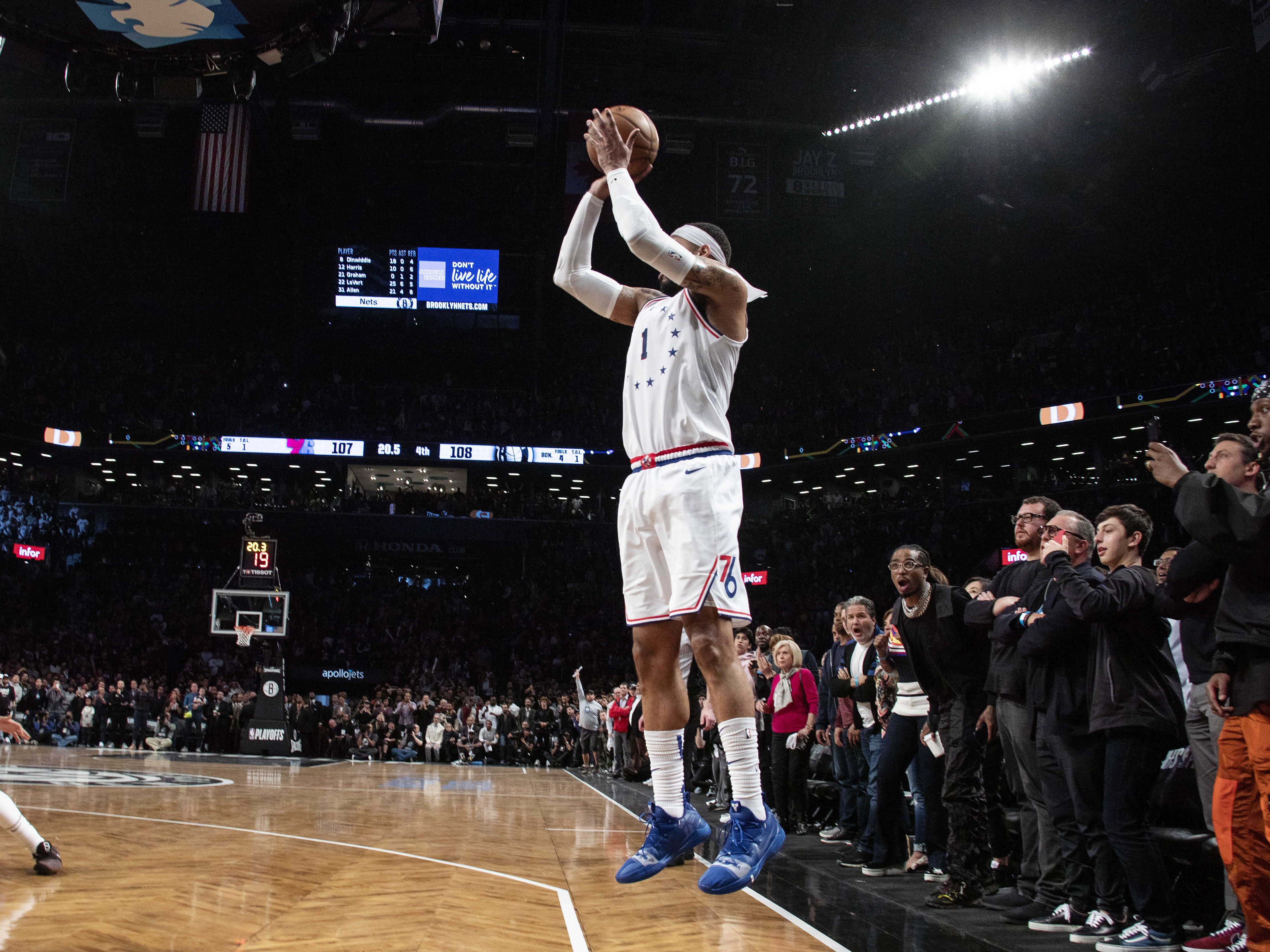 246f7233413 Mike Scott  76ers sixth man excels when his number is called