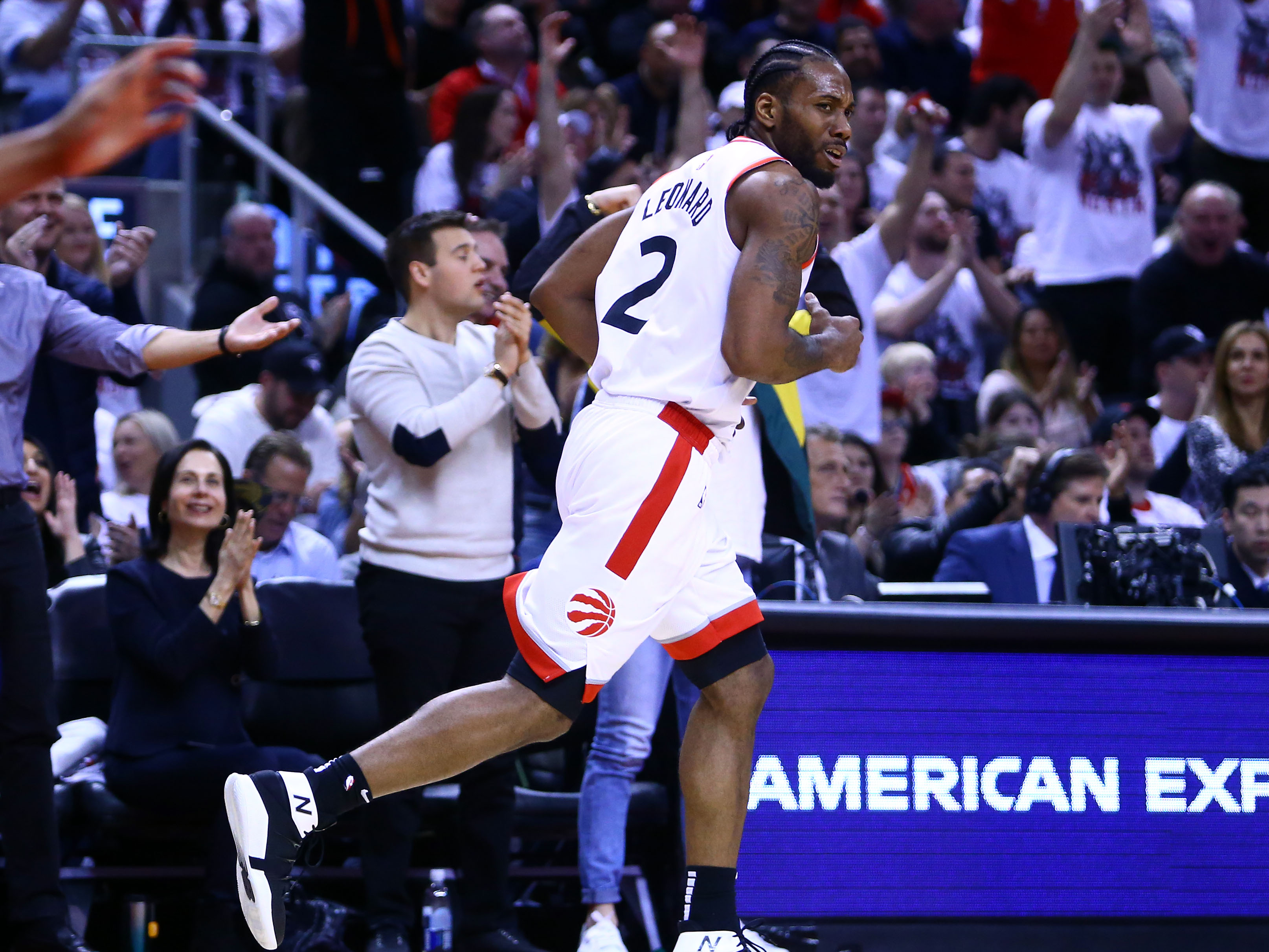 3d0750019b9f Raptors vs Sixers  Kawhi Leonard scores 45 points in Game 1 victory ...