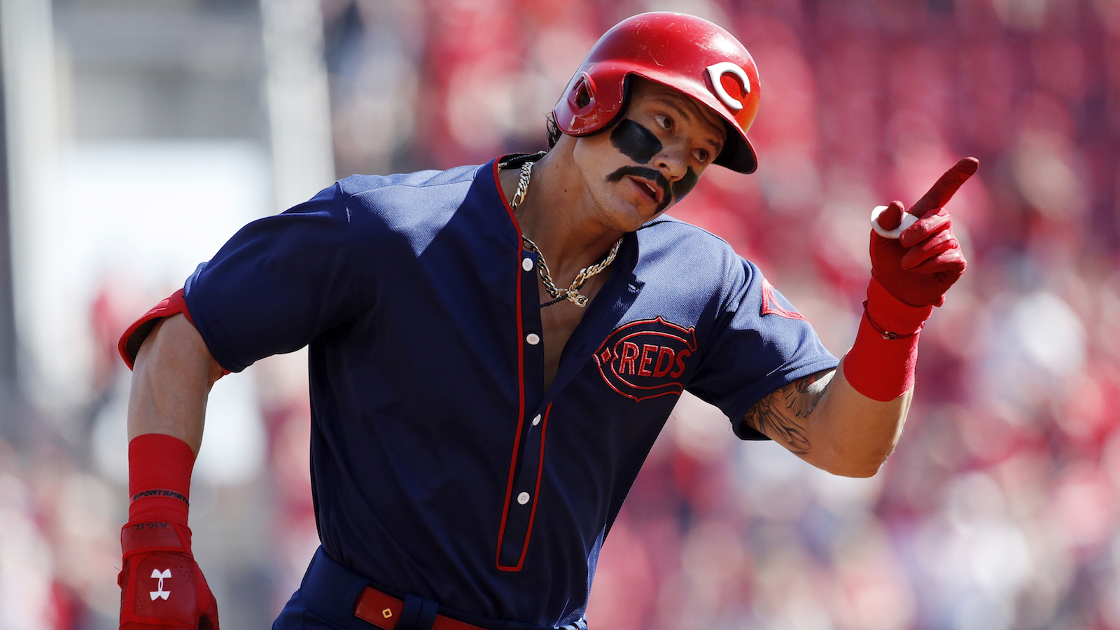 Reds throwbacks: Derek Dietrich wears eye black mustache