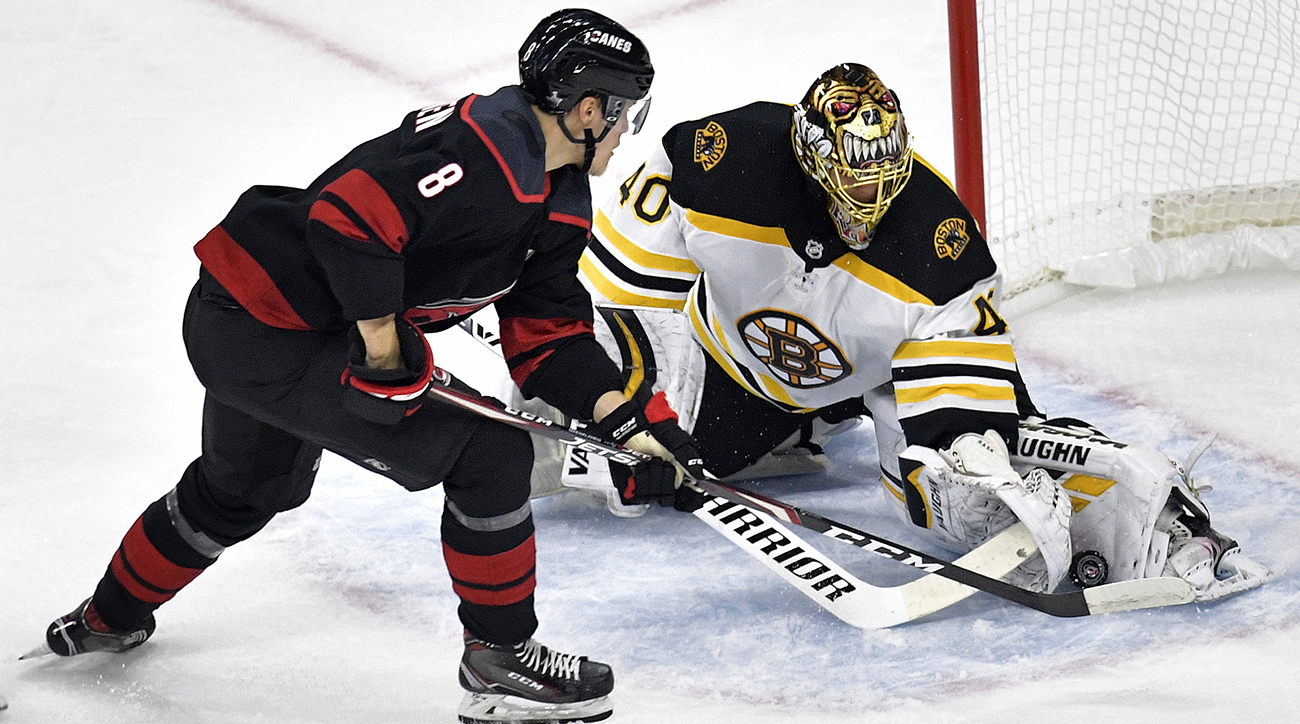 Bruins goalie Tuukka Rask makes save